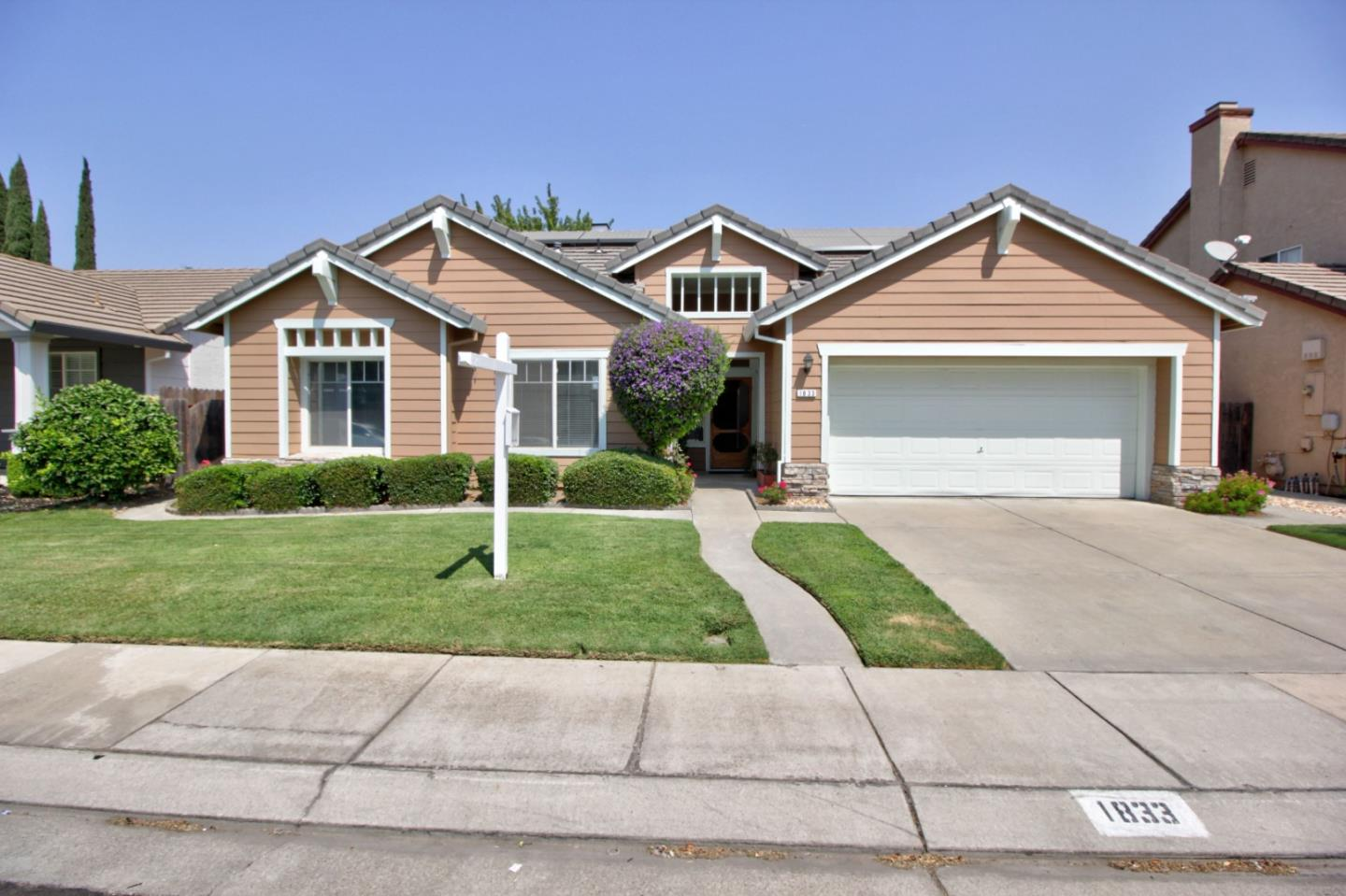 Detail Gallery Image 1 of 1 For 1833 Rail St, Manteca,  CA 95337 - 3 Beds | 2 Baths