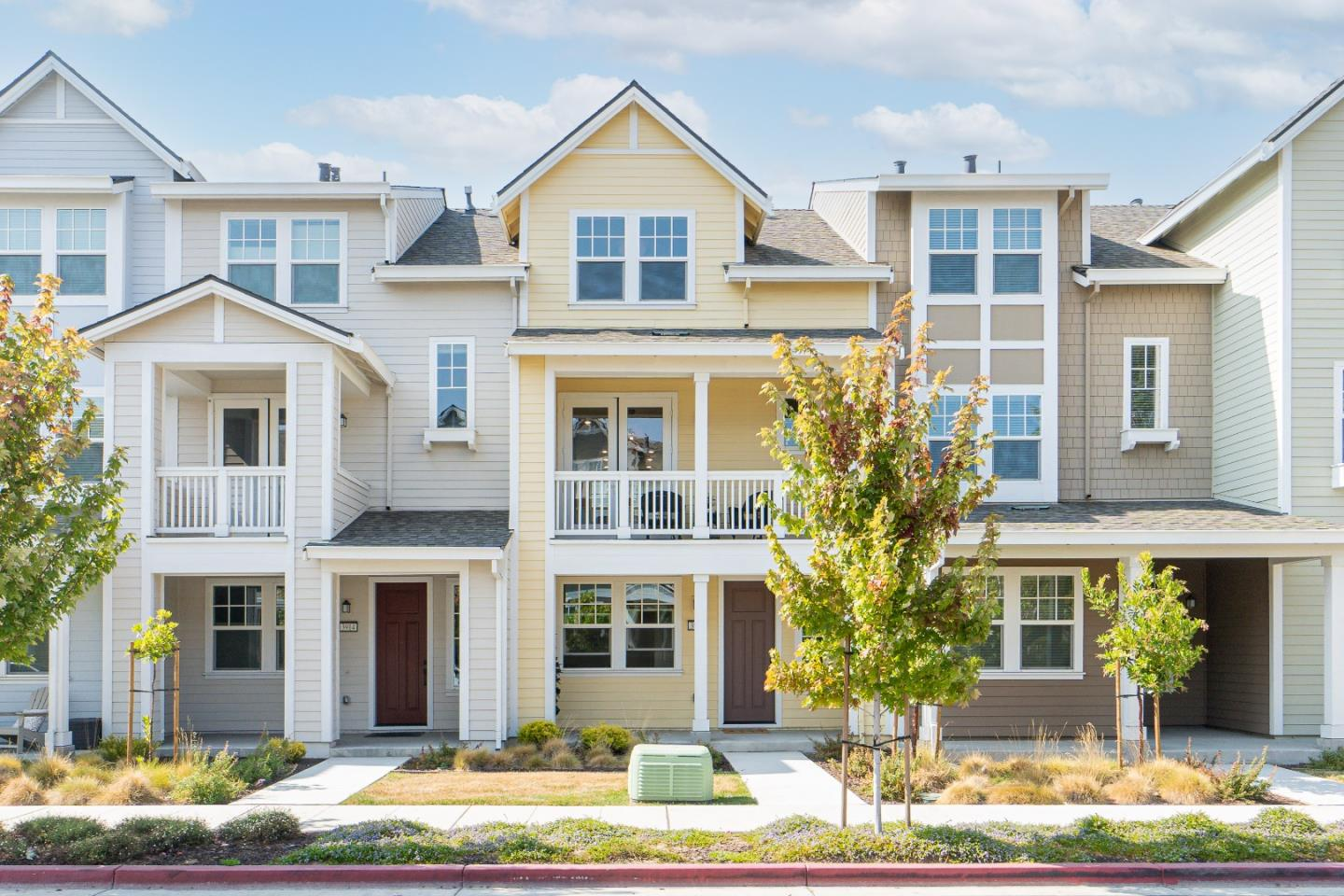 Detail Gallery Image 1 of 1 For 3916 Degree Ln, Mountain View,  CA 94043 - 2 Beds   2/1 Baths