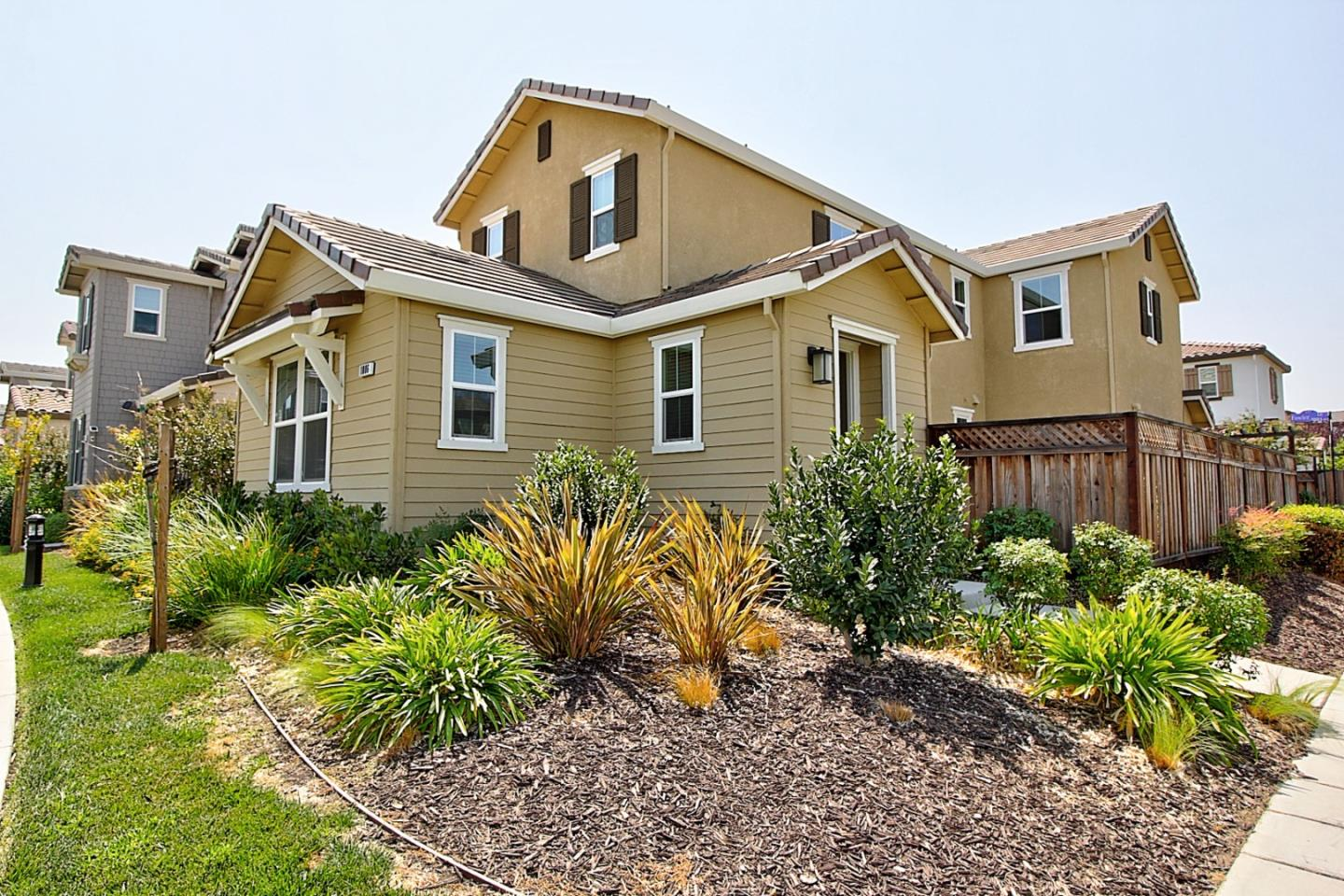 Detail Gallery Image 1 of 1 For 1006 S Fowler Ln, Mountain House,  CA 95391 - 3 Beds | 2/1 Baths