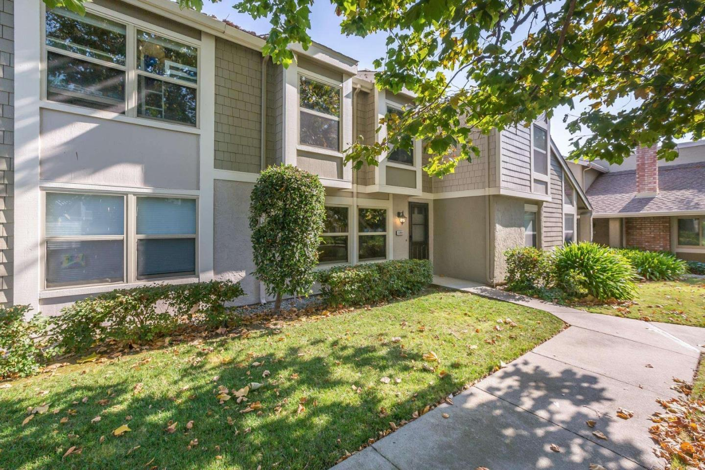 Detail Gallery Image 1 of 1 For 2265 River Bed Ct, Santa Clara,  CA 95054 - 3 Beds | 2/1 Baths