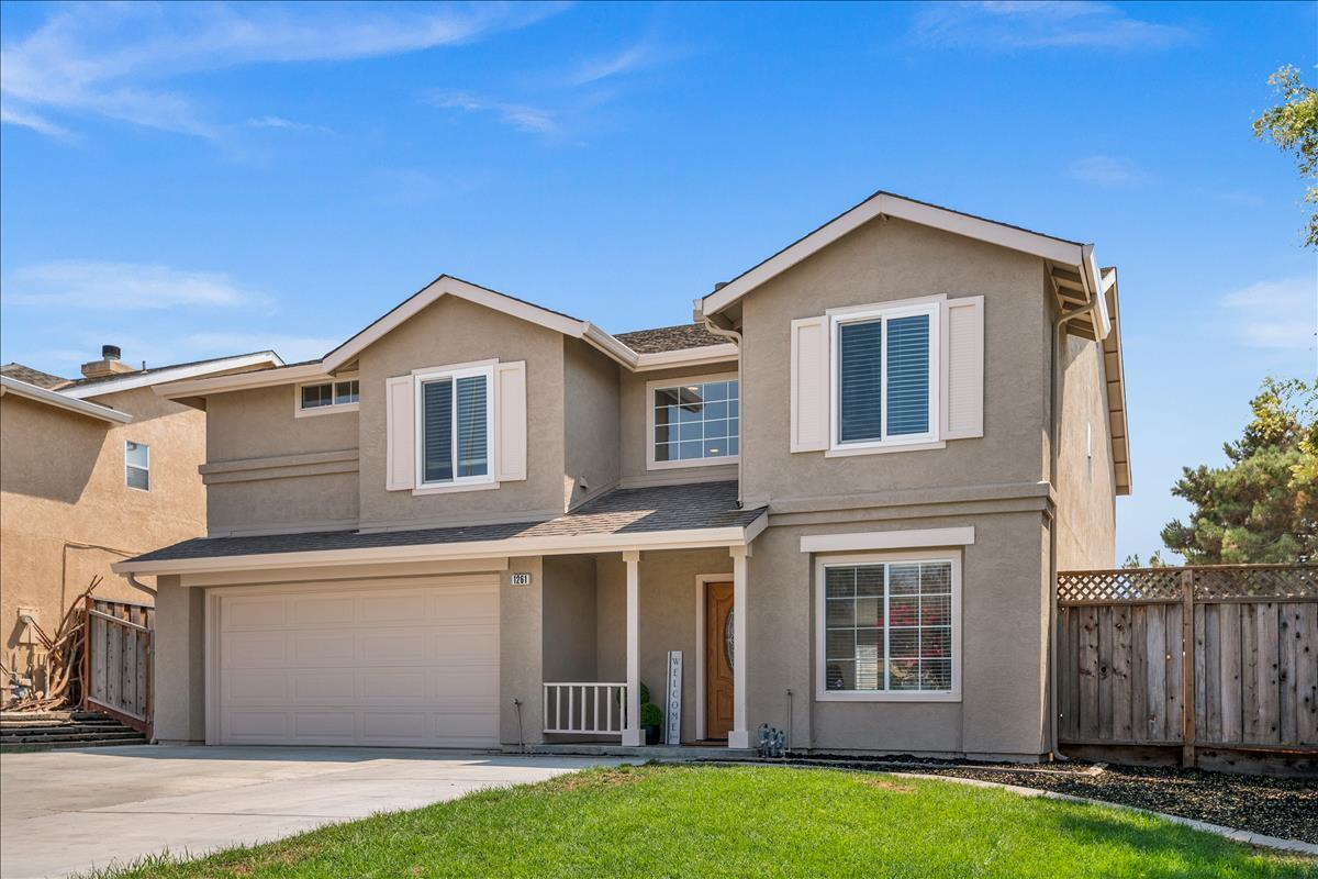 Detail Gallery Image 1 of 1 For 1261 Crestview Dr, Hollister,  CA 95023 - 5 Beds | 2/1 Baths