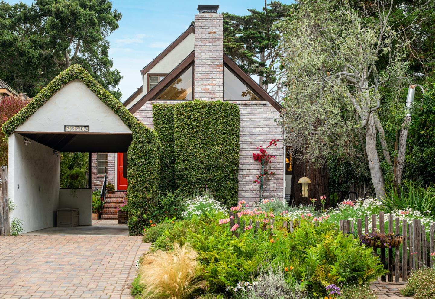 Detail Gallery Image 1 of 1 For 26246 Carmelo St, Carmel,  CA 93923 - 3 Beds   2/1 Baths