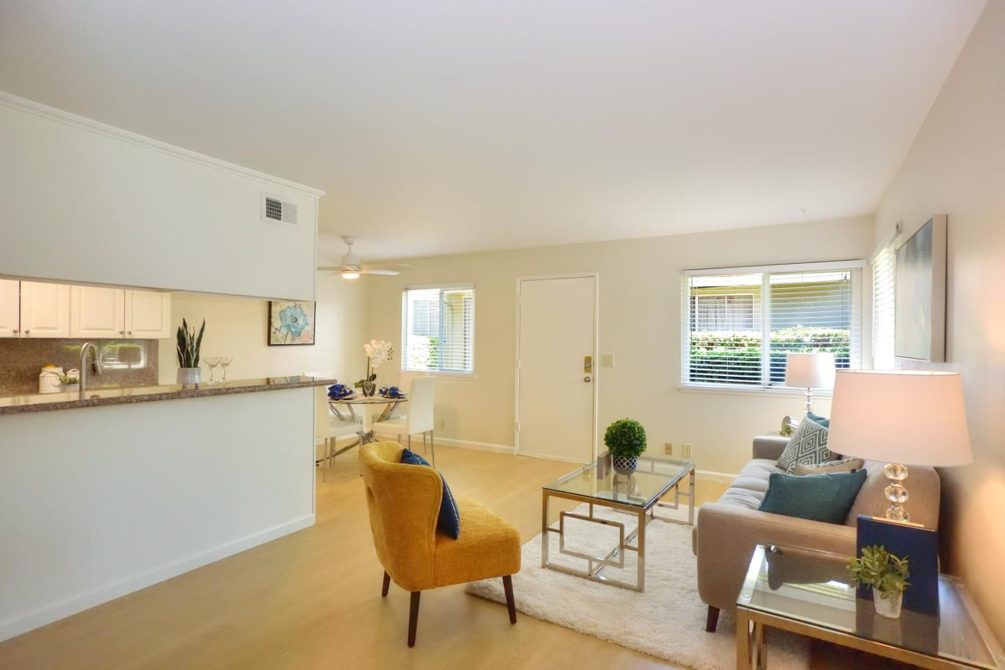 Detail Gallery Image 1 of 1 For 949 Gilchrist Dr #2,  San Jose,  CA 95133 - 2 Beds | 1 Baths