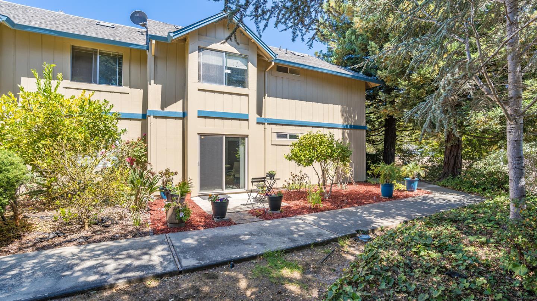 Detail Gallery Image 1 of 25 For 117 Vista Prieta Ct, Santa Cruz,  CA 95062 - 2 Beds   1 Baths