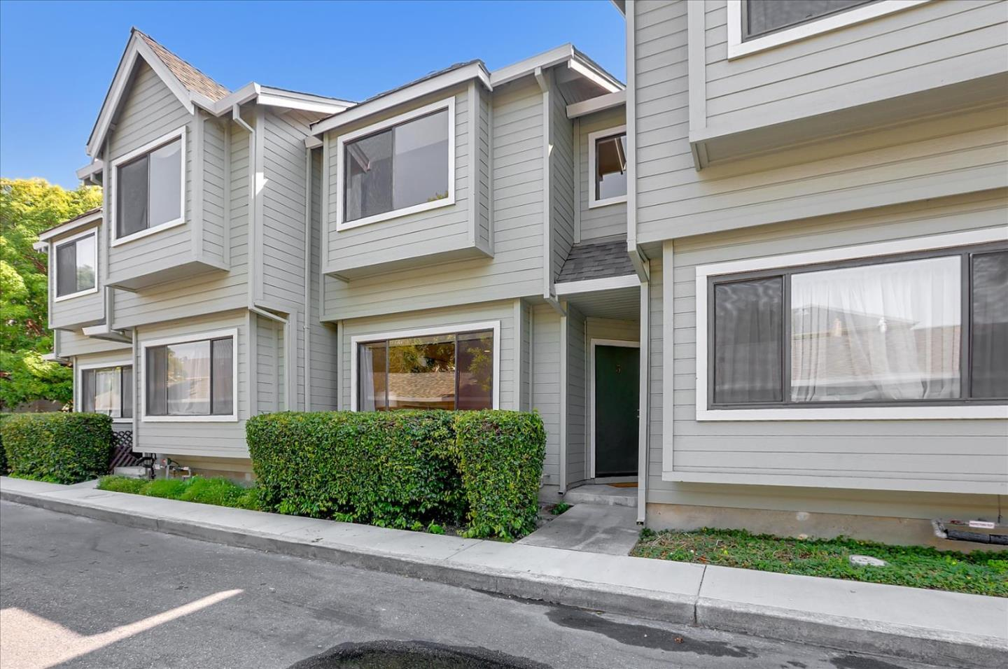 Detail Gallery Image 1 of 29 For 457 Sierra Vista Ave #3,  Mountain View,  CA 94043 - 2 Beds | 2/1 Baths