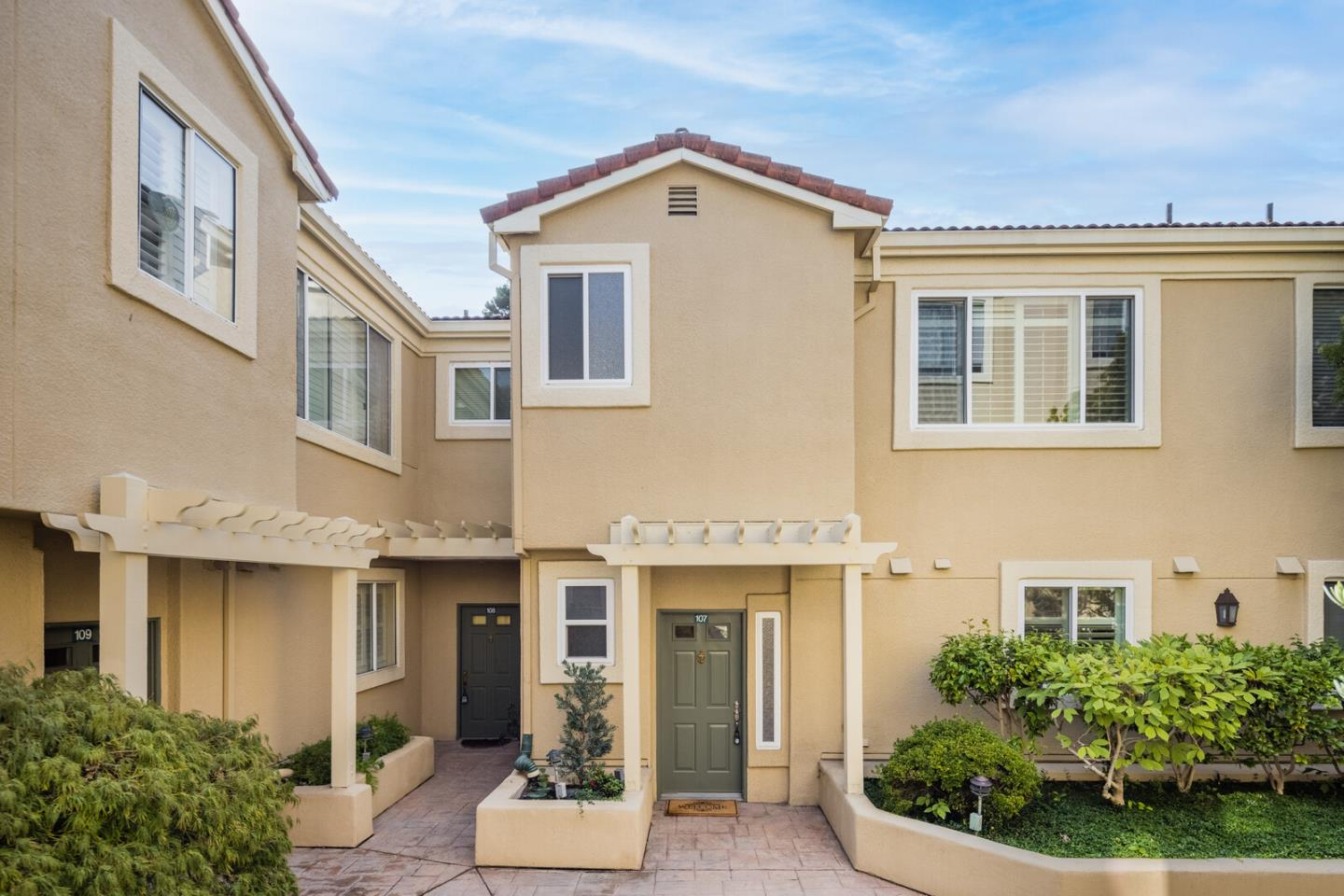 Detail Gallery Image 1 of 1 For 88 17th Ave #107,  San Mateo,  CA 94402 - 3 Beds | 2/1 Baths
