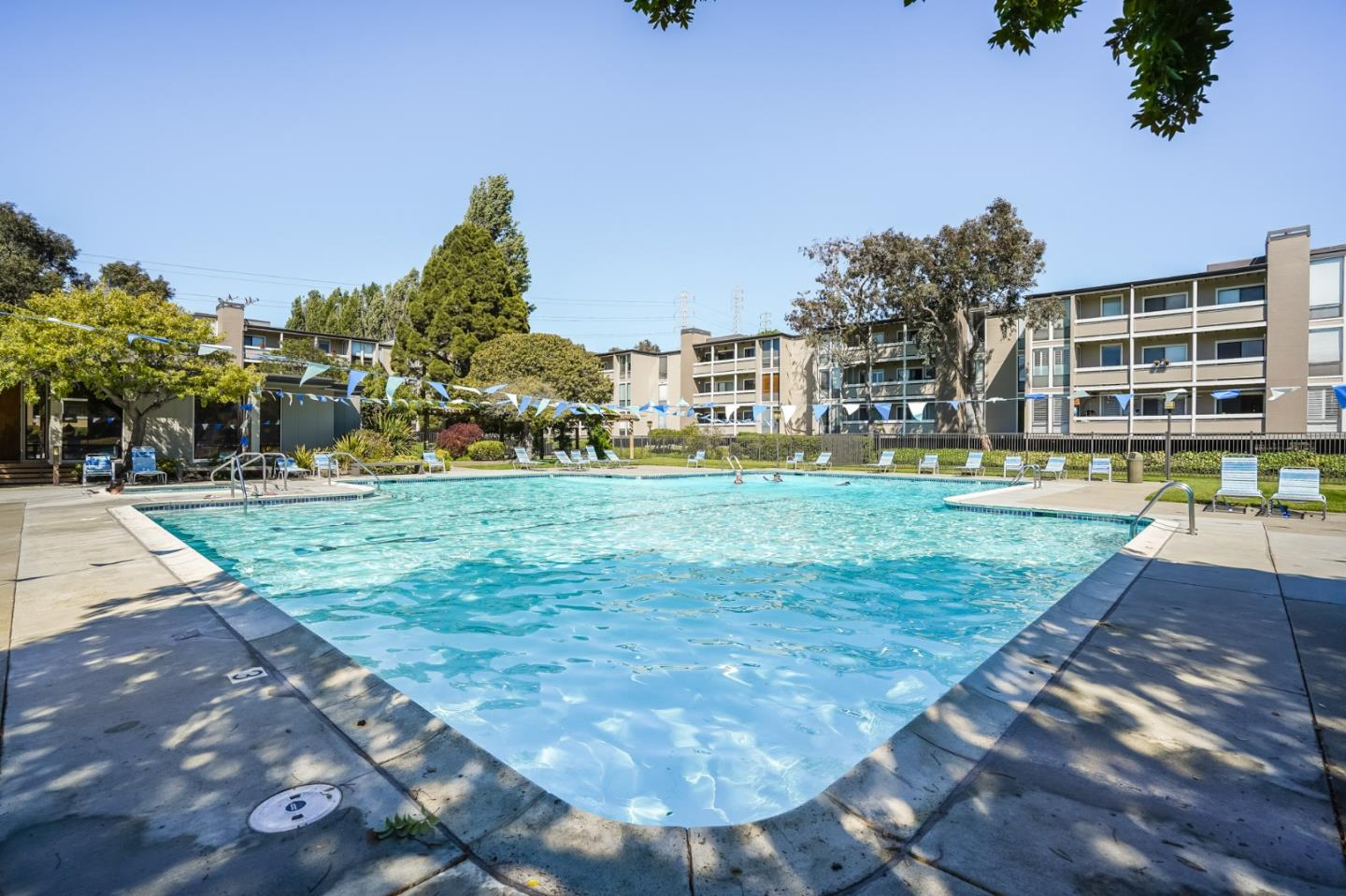 Detail Gallery Image 1 of 1 For 1171 Compass Ln #114,  Foster City,  CA 94404 - 2 Beds | 2 Baths