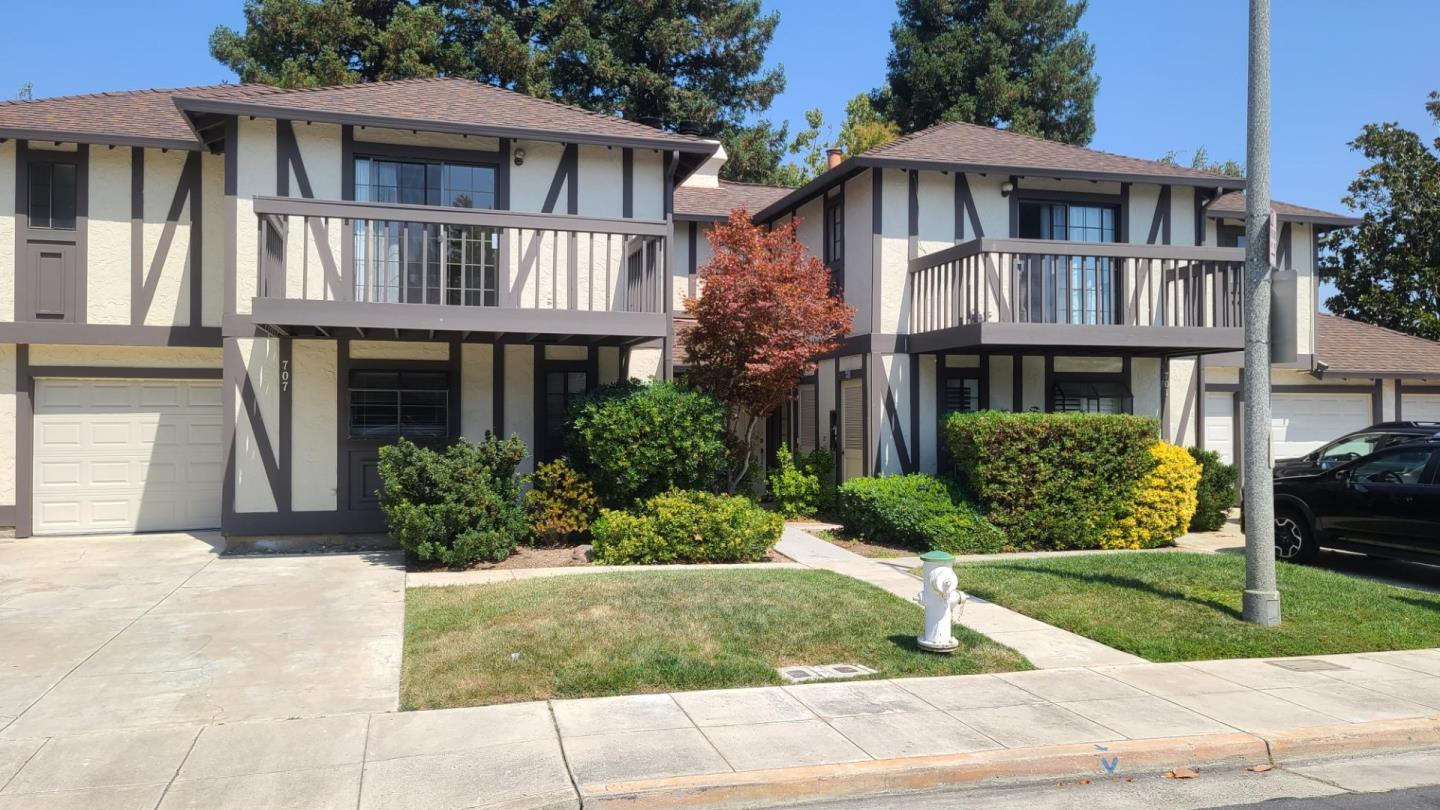 Detail Gallery Image 1 of 1 For 707 Winstead Ct, Sunnyvale,  CA 94087 - 3 Beds   2/1 Baths