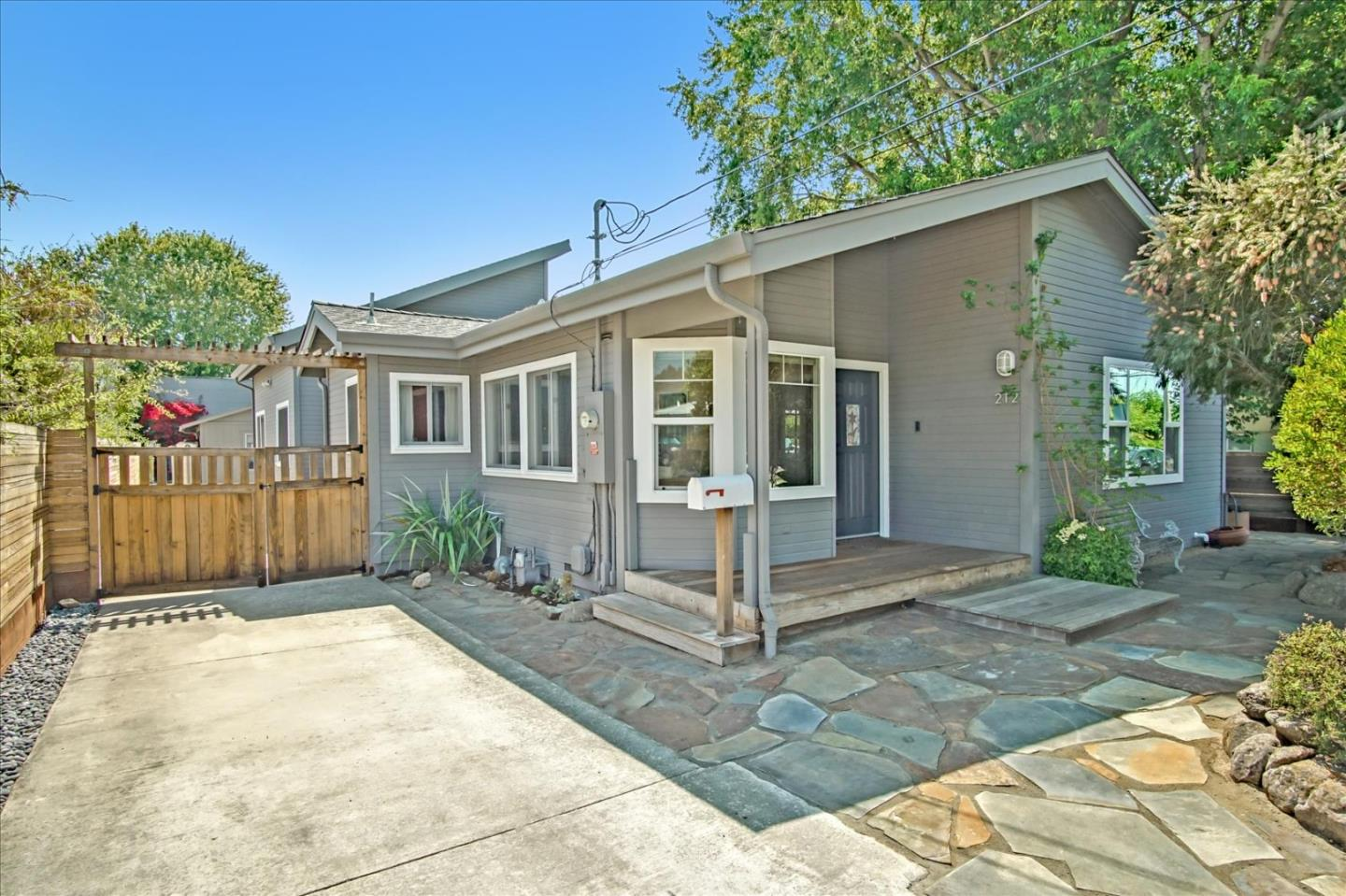 Detail Gallery Image 1 of 1 For 212 Trevethan Ave, Santa Cruz,  CA 95062 - 4 Beds | 2 Baths