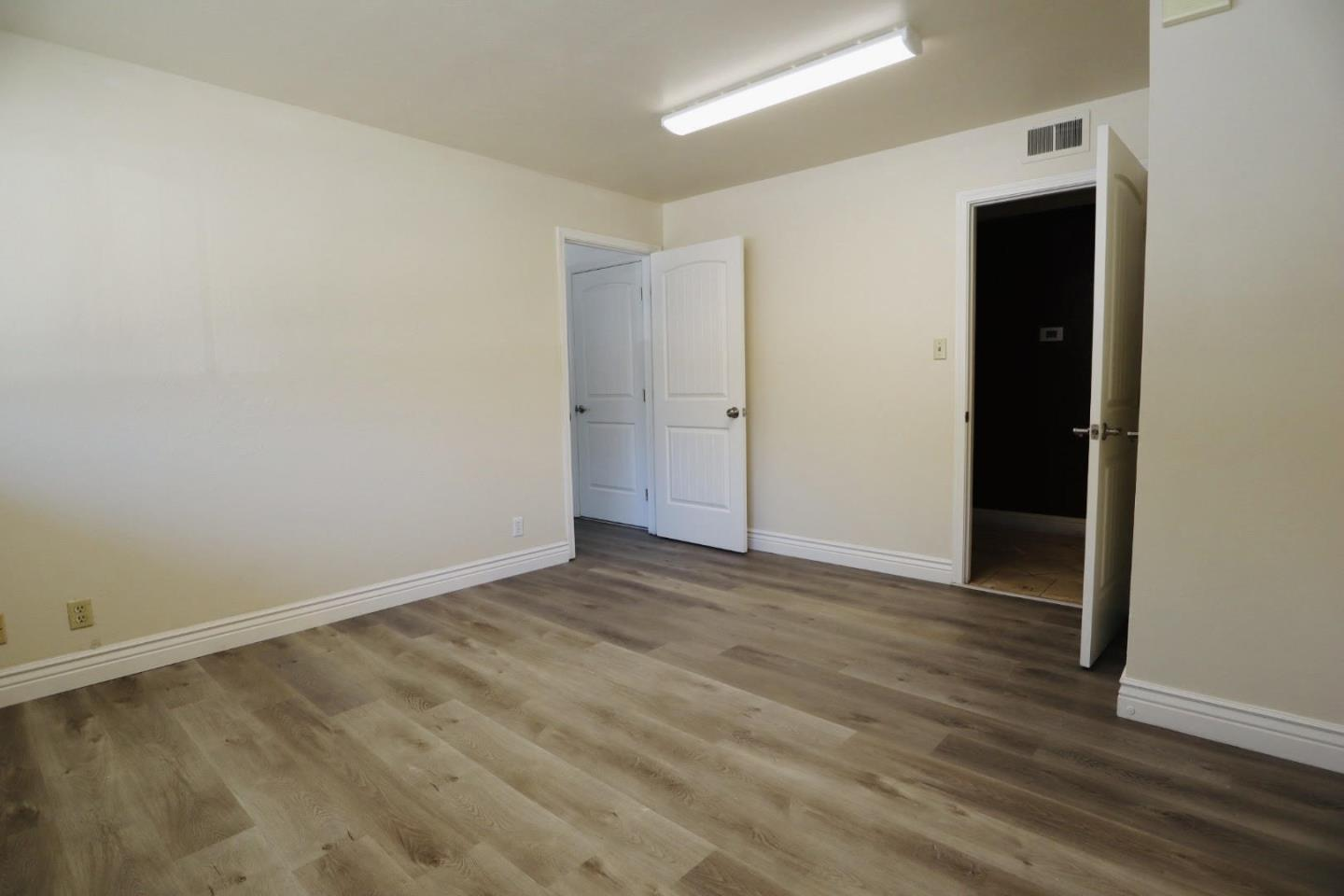 Detail Gallery Image 1 of 5 For 2000 W Hedding St, San Jose,  CA 95128 - – Beds | – Baths