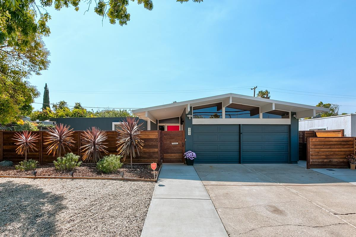 Detail Gallery Image 1 of 1 For 965 S Tantau Ave, Cupertino,  CA 95014 - 3 Beds   2 Baths