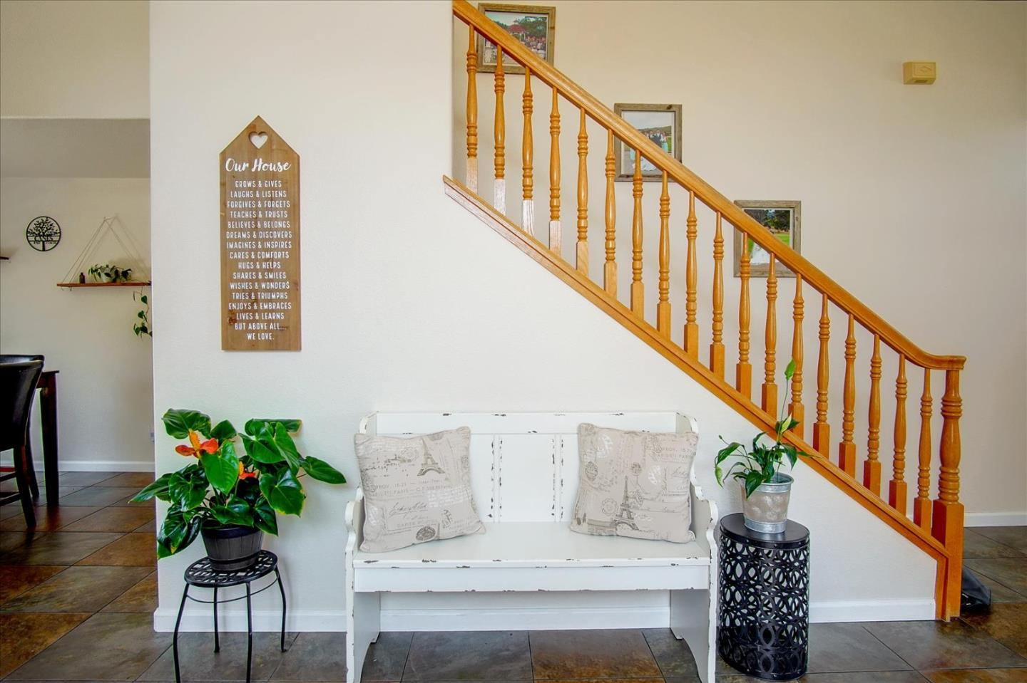 Detail Gallery Image 1 of 1 For 731 Alissa Ct, Hollister,  CA 95023 - 3 Beds   2/1 Baths