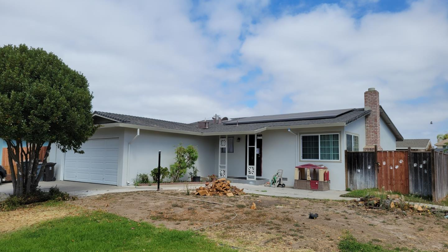 Detail Gallery Image 1 of 1 For 395 Mendocino Dr, Salinas,  CA 93906 - 3 Beds | 2 Baths