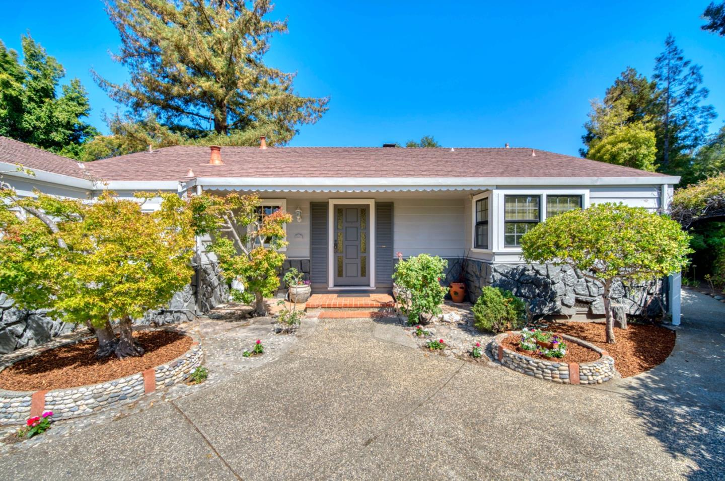 Detail Gallery Image 1 of 26 For 142 Arbor Ln, San Mateo,  CA 94403 - 3 Beds | 2 Baths