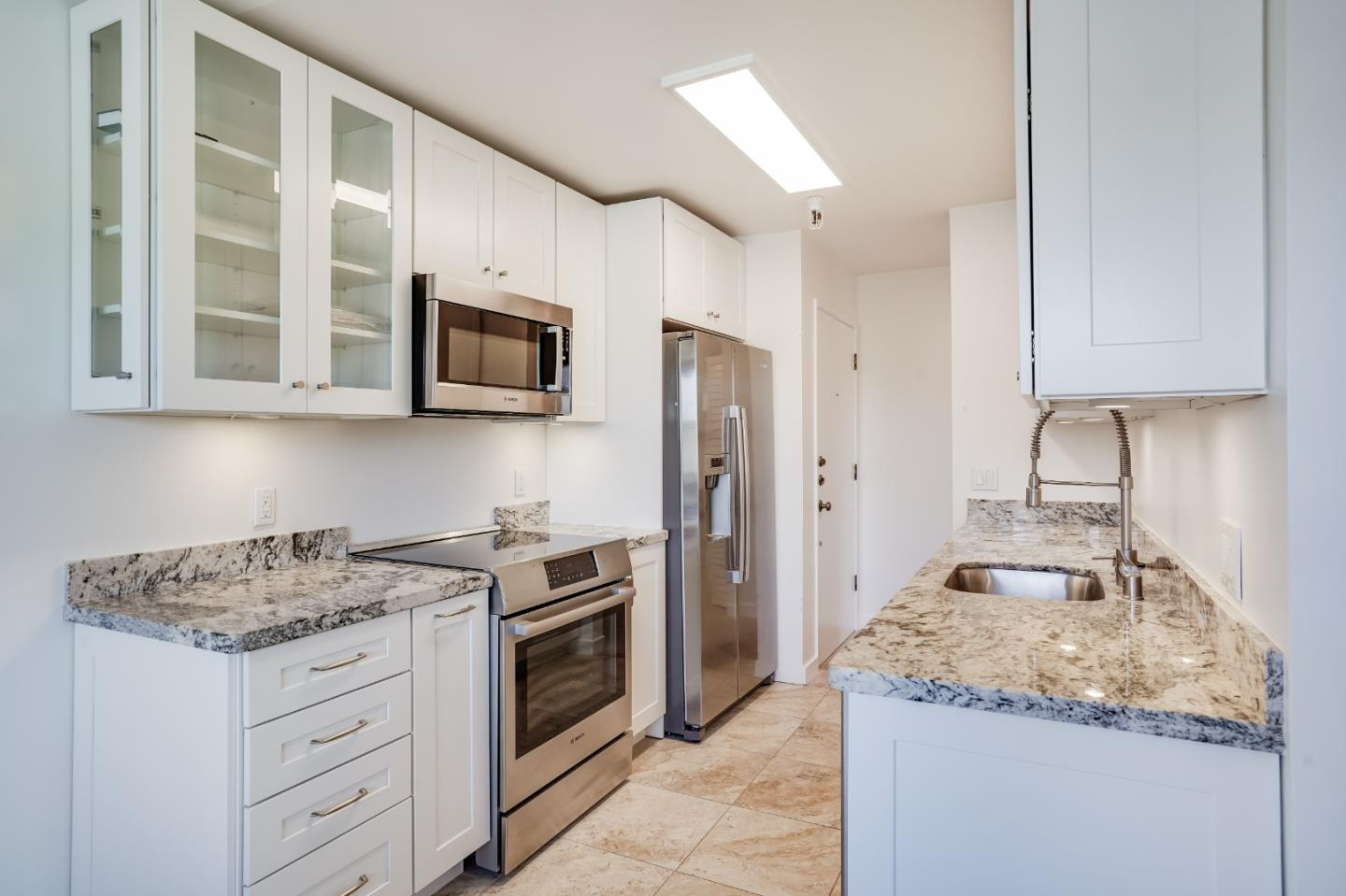 Detail Gallery Image 1 of 1 For 400 Ortega Ave 306b,  Mountain View,  CA 94040 - 2 Beds   1 Baths
