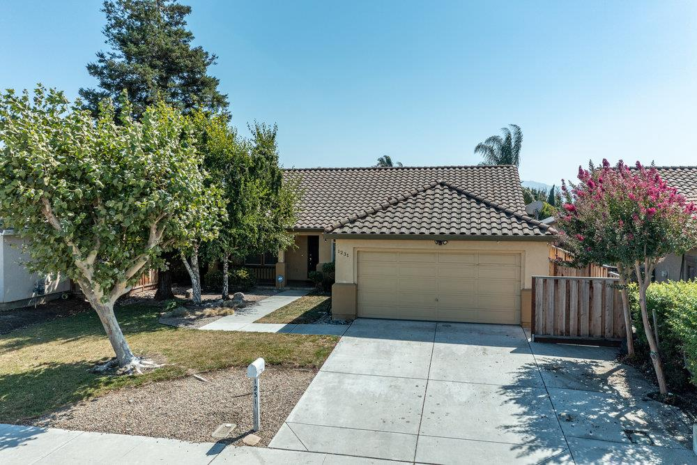 Detail Gallery Image 1 of 1 For 1231 South St, Hollister,  CA 95023 - 4 Beds | 2 Baths