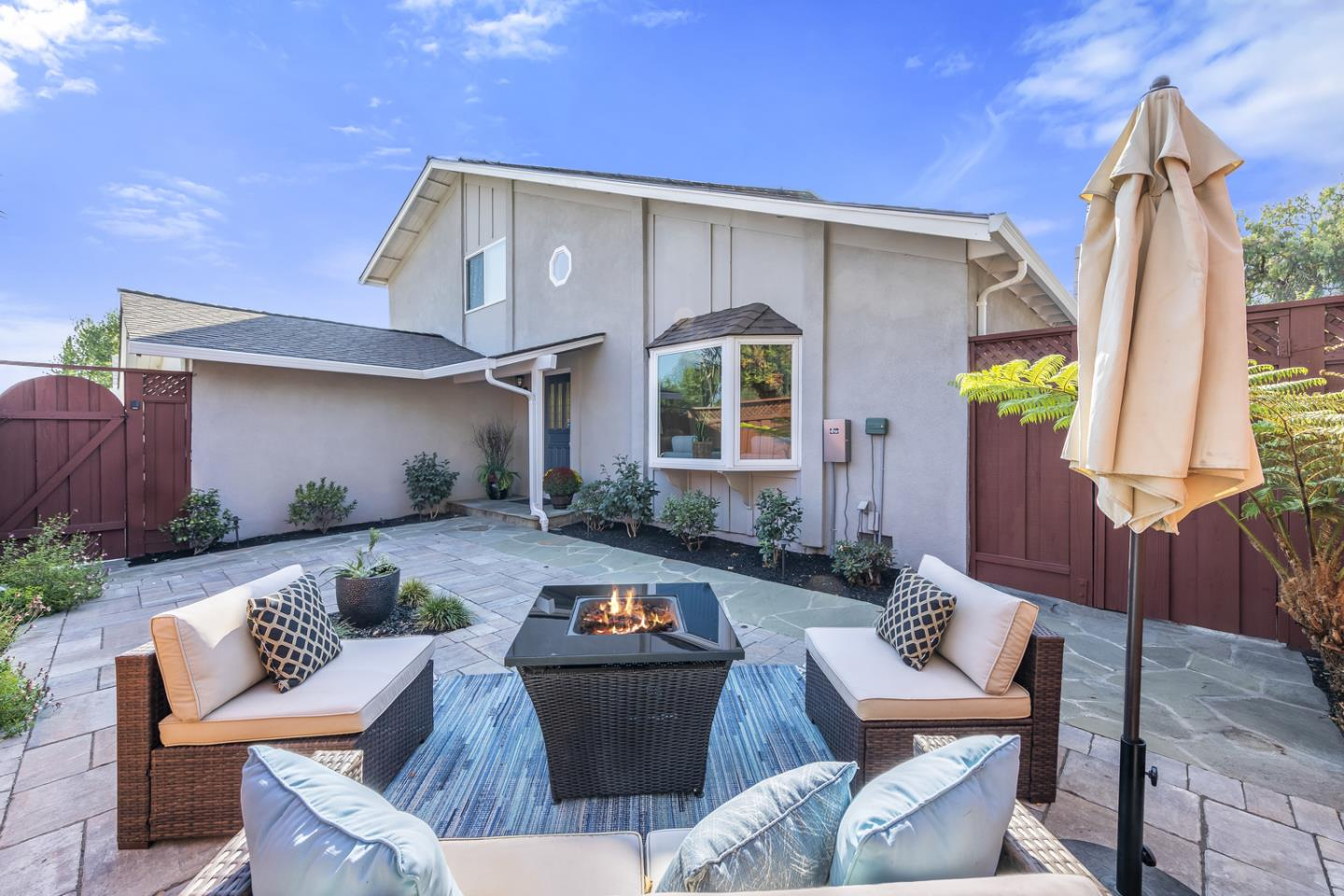 Detail Gallery Image 1 of 34 For 1422 Blackstone Ave, San Jose,  CA 95118 - 5 Beds | 2 Baths