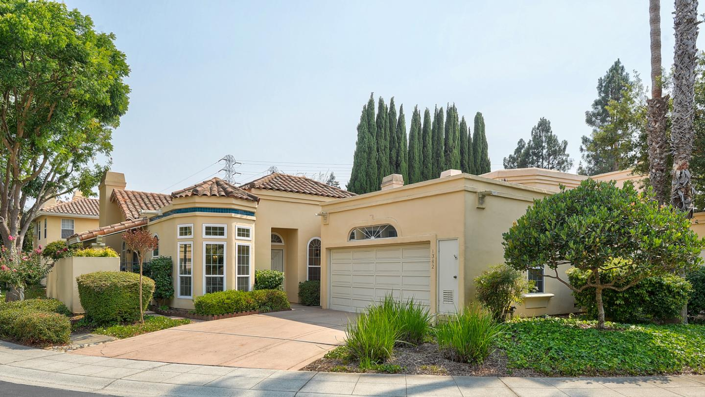 Detail Gallery Image 1 of 1 For 1362 Cuernavaca Circulo, Mountain View,  CA 94040 - 3 Beds | 2 Baths