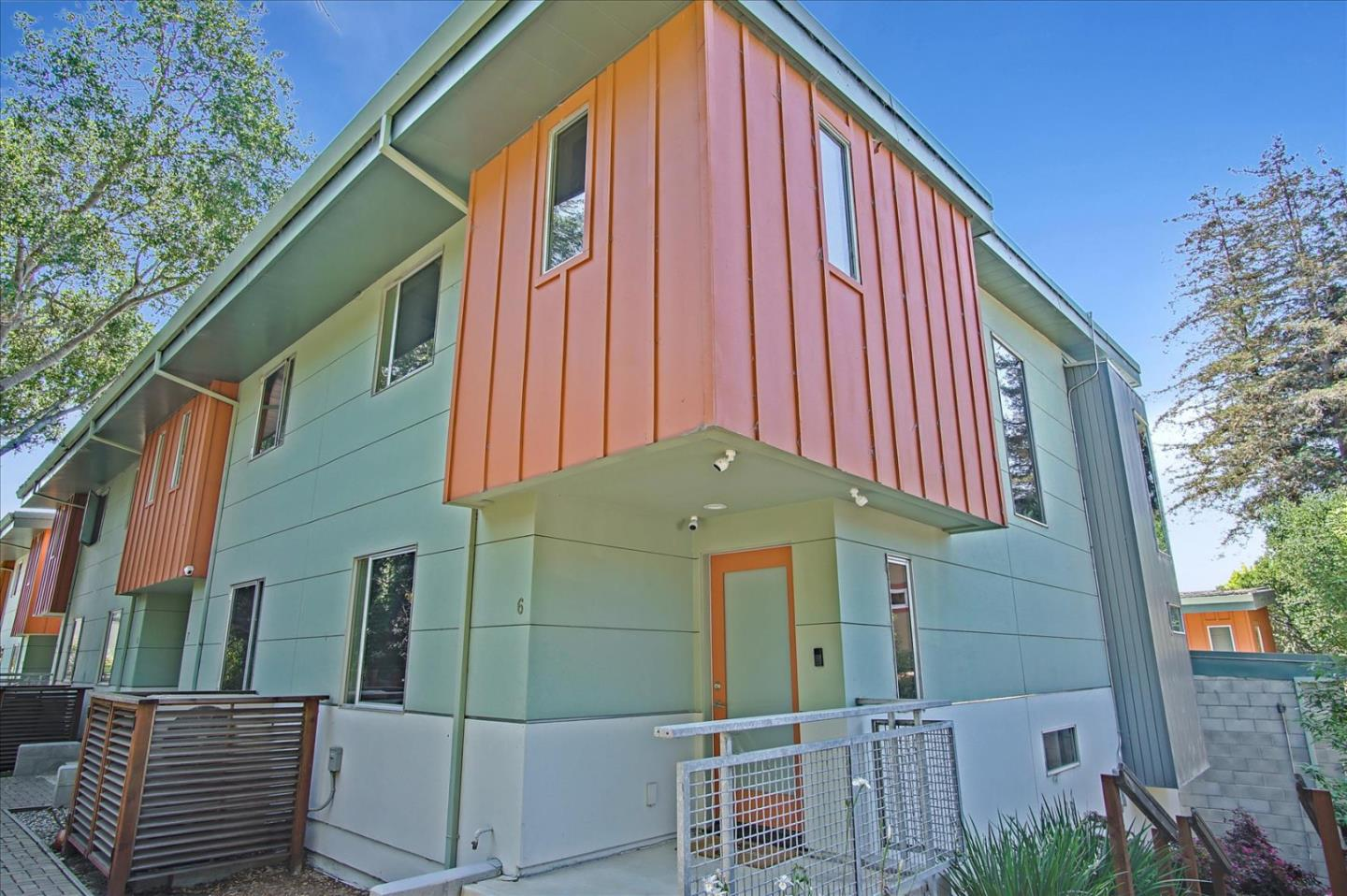 Detail Gallery Image 1 of 41 For 101 Jewell St #6,  Santa Cruz,  CA 95060 - 2 Beds | 2/1 Baths