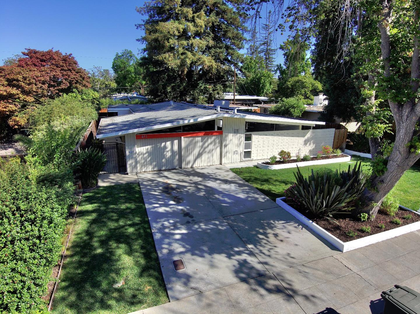 Detail Gallery Image 1 of 1 For 411 Creekside Dr, Palo Alto,  CA 94306 - 3 Beds   2 Baths