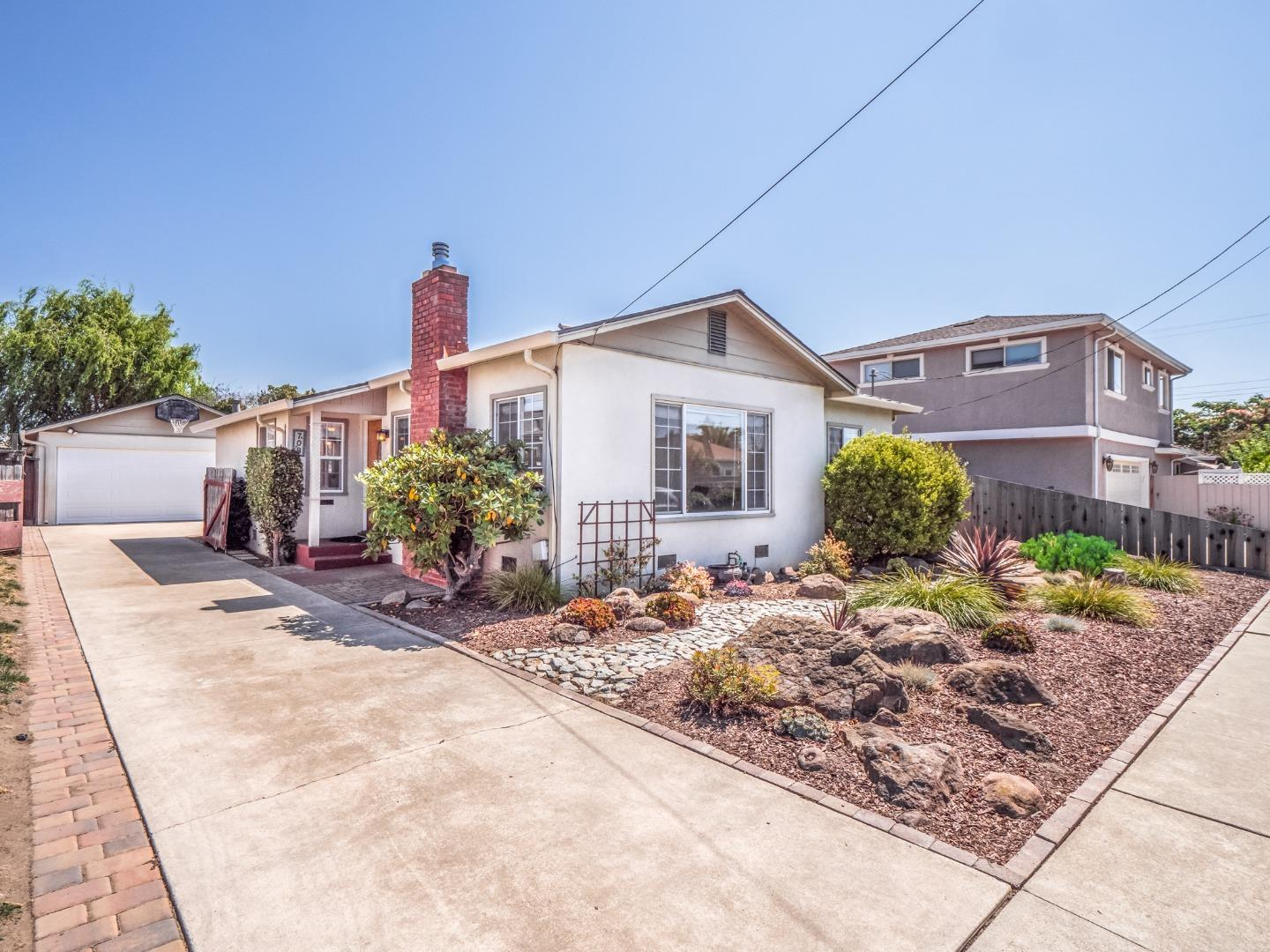 Detail Gallery Image 1 of 1 For 708 Oregon St, Watsonville,  CA 95076 - 2 Beds | 1 Baths