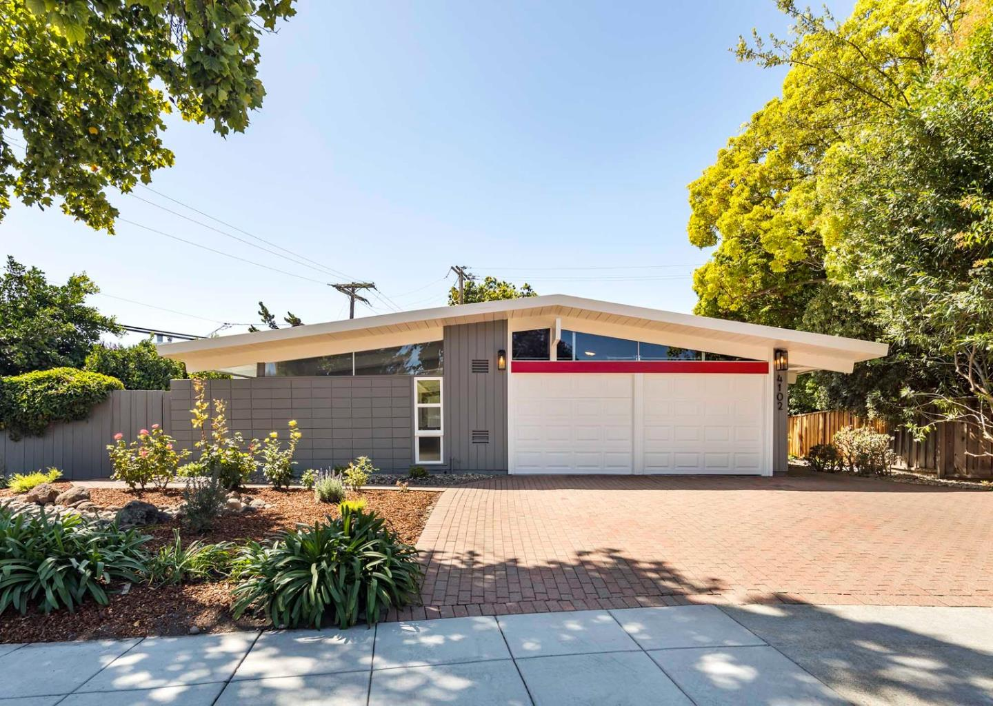 Detail Gallery Image 1 of 1 For 4102 Mackay Dr, Palo Alto,  CA 94306 - 3 Beds   2 Baths