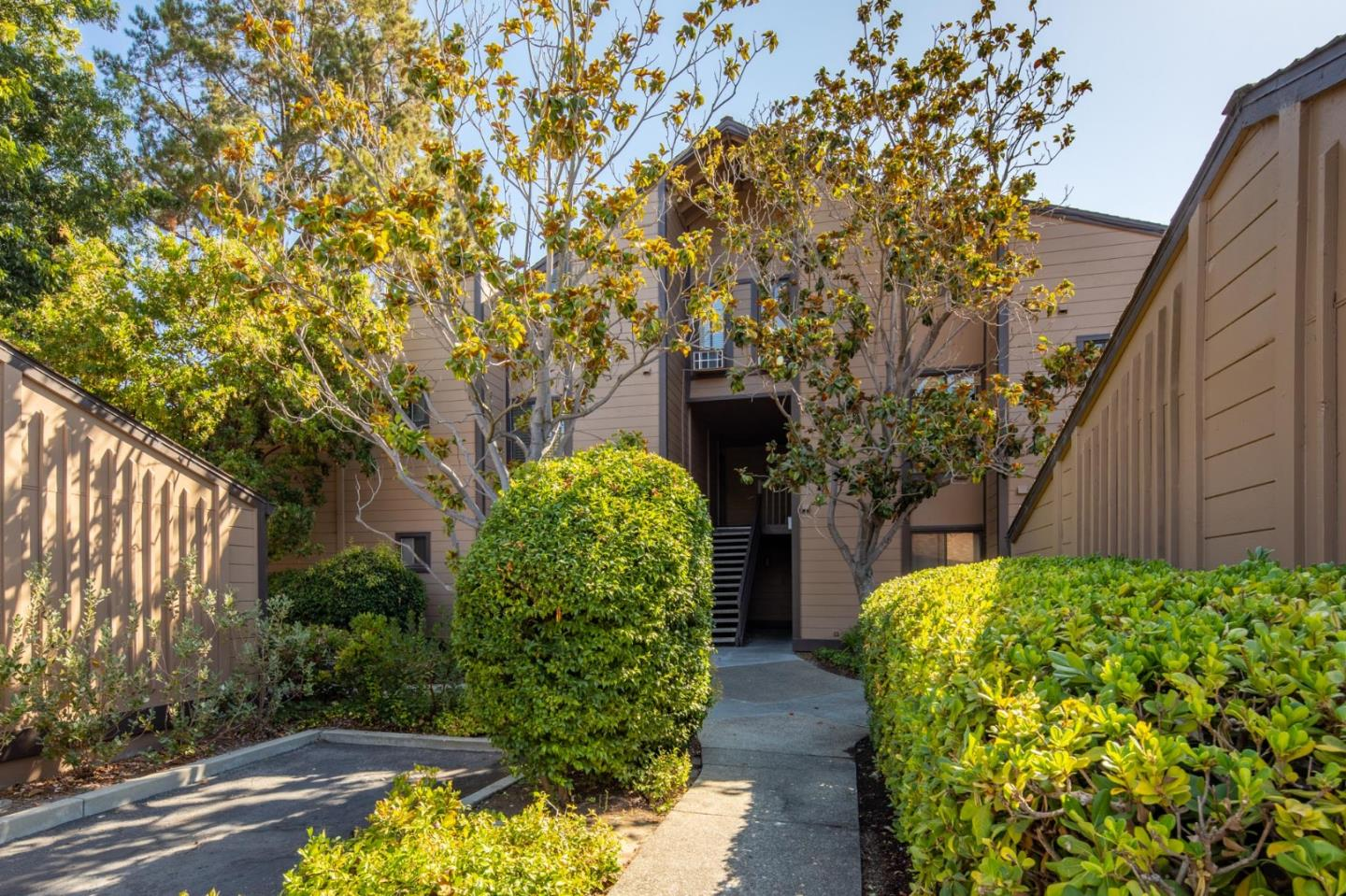 Detail Gallery Image 1 of 15 For 1963 Rock St #6,  Mountain View,  CA 94043 - 3 Beds   3 Baths