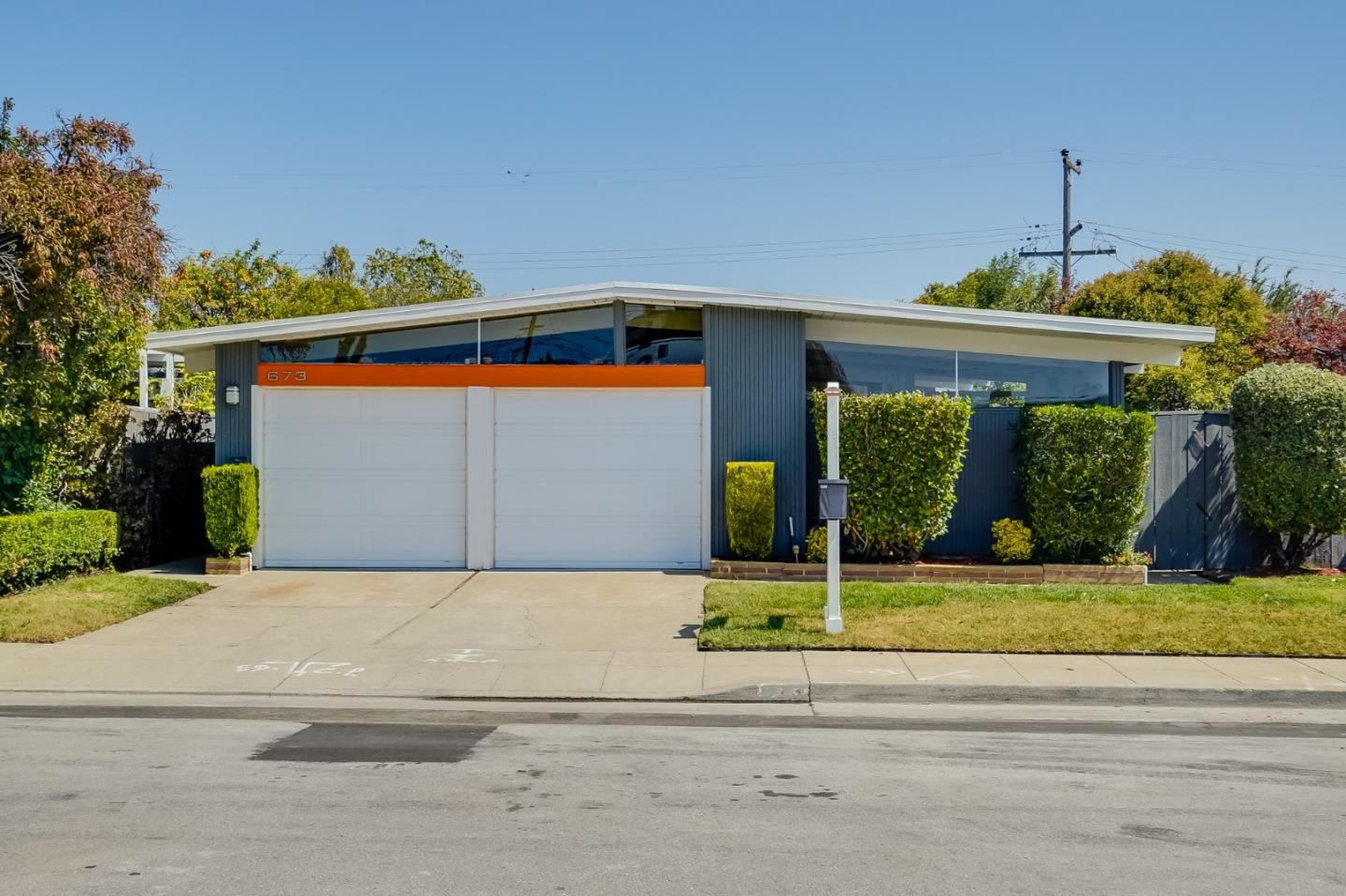 Detail Gallery Image 1 of 1 For 673 Edna Way, San Mateo,  CA 94402 - 3 Beds | 2 Baths