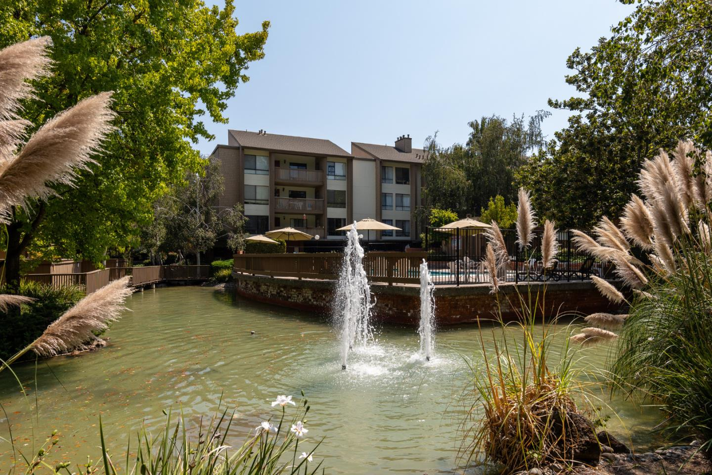Detail Gallery Image 1 of 1 For 49 Showers Dr #W207,  Mountain View,  CA 94040 - 2 Beds   2 Baths