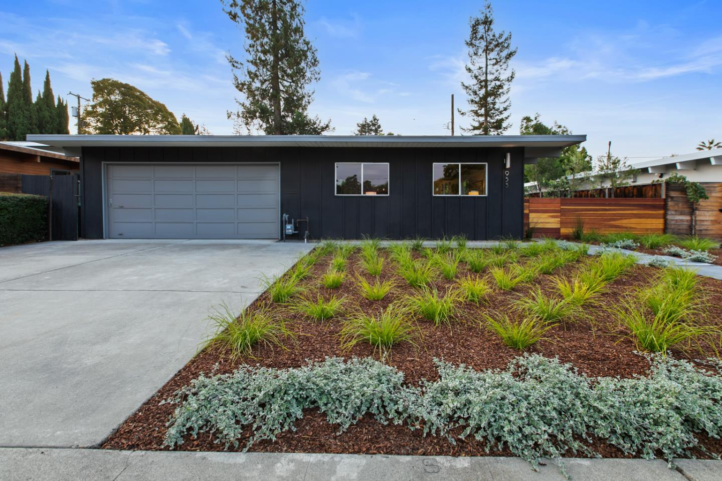 Detail Gallery Image 1 of 1 For 955 Celia Dr, Palo Alto,  CA 94303 - 3 Beds   2 Baths