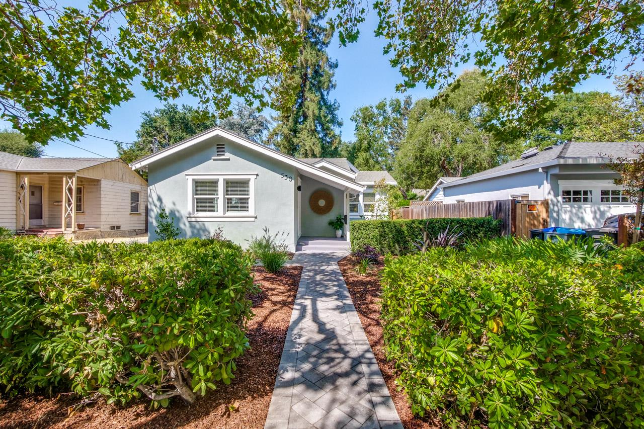 Detail Gallery Image 1 of 1 For 530 Franklin St, Mountain View,  CA 94041 - 2 Beds | 2 Baths