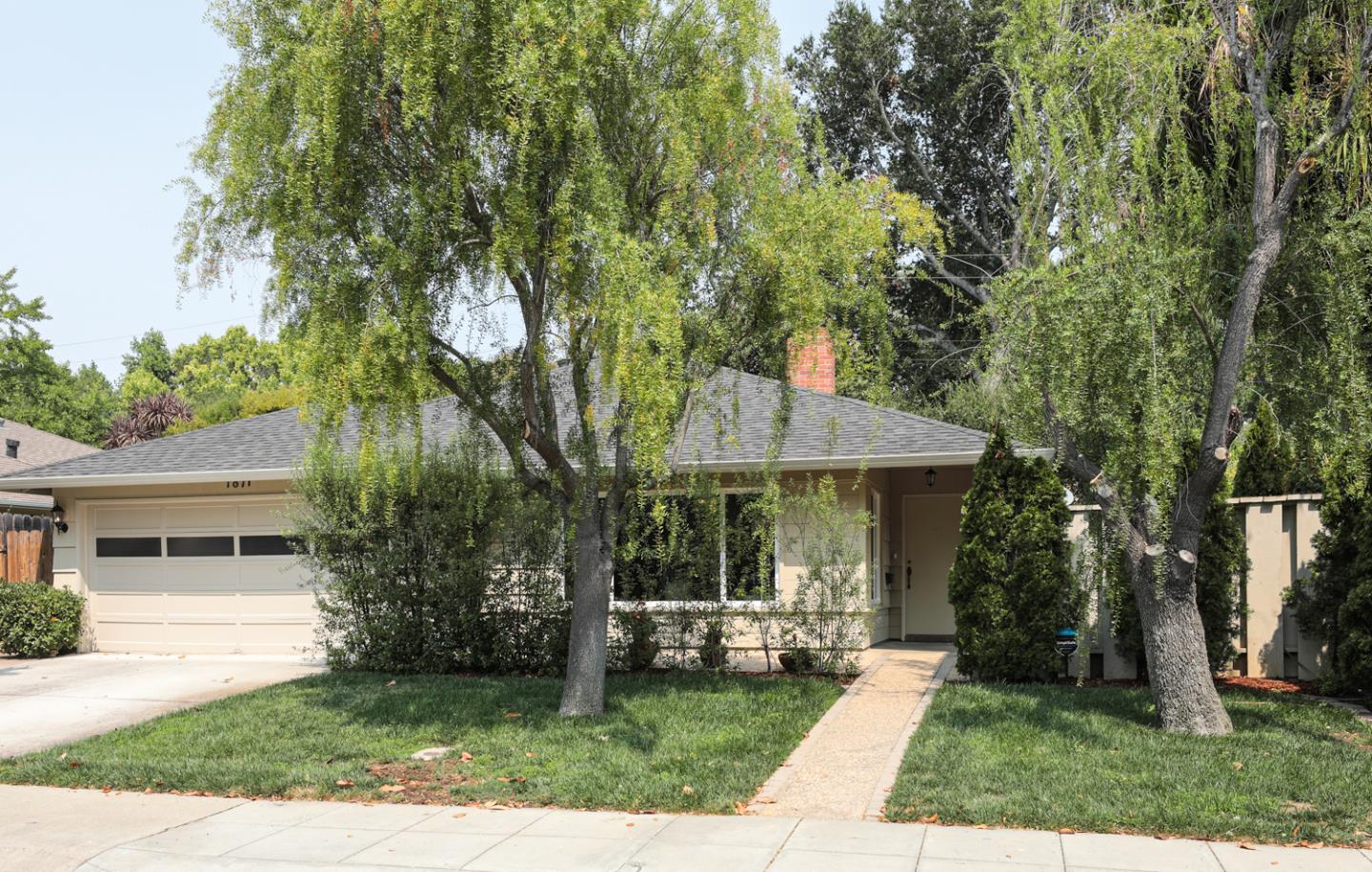 Detail Gallery Image 1 of 1 For 1871 Hamilton Ave, Palo Alto,  CA 94303 - 3 Beds   2 Baths