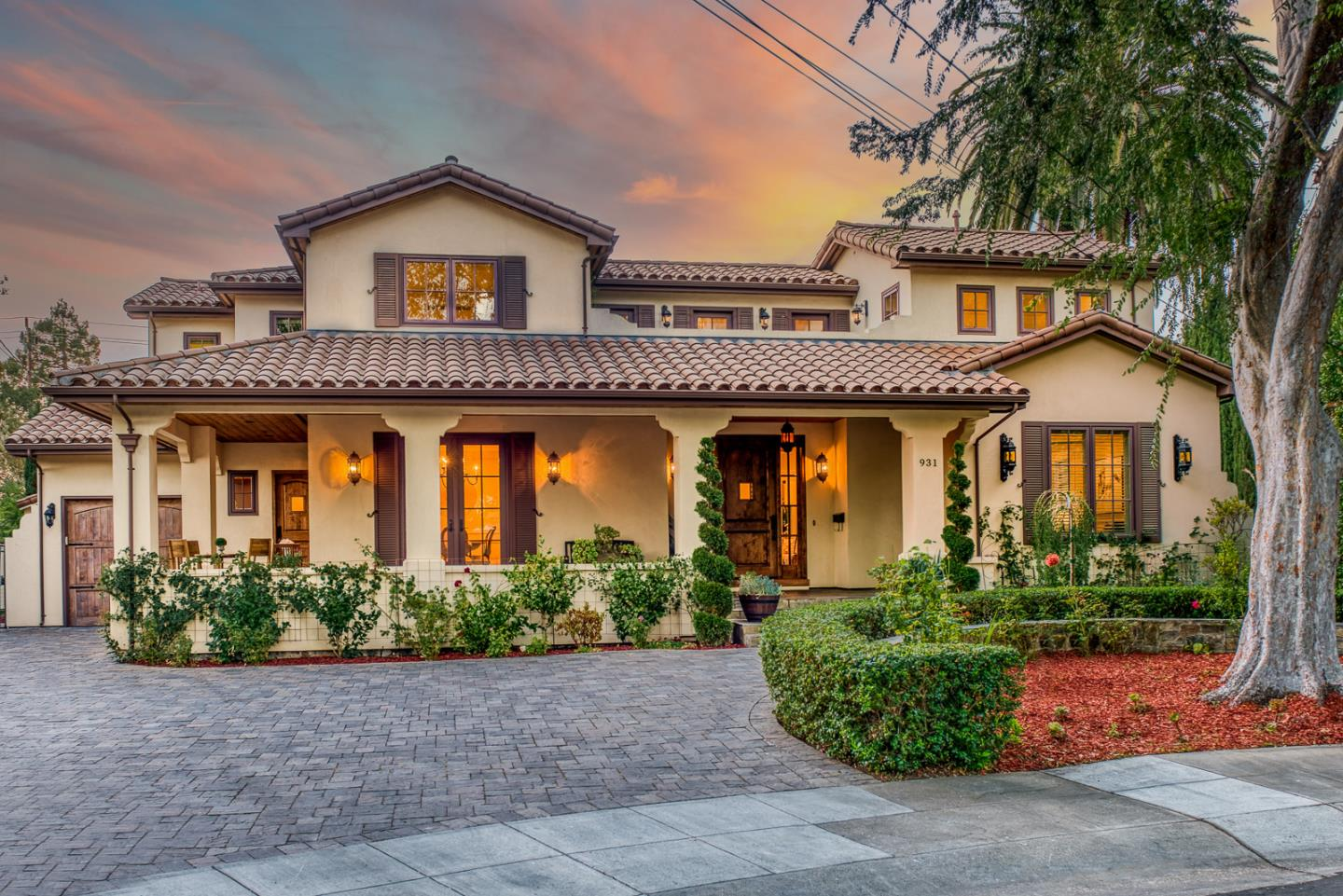 Detail Gallery Image 1 of 50 For 931 Clara Dr, Palo Alto,  CA 94303 - 5 Beds | 5/1 Baths