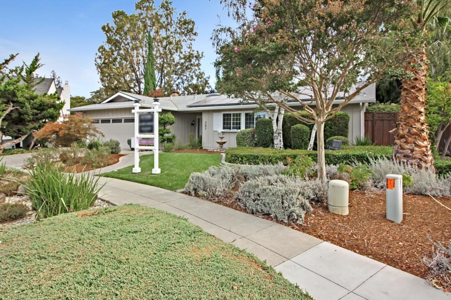 Detail Gallery Image 1 of 1 For 307 Los Pinos Way, San Jose,  CA 95119 - 3 Beds | 2 Baths
