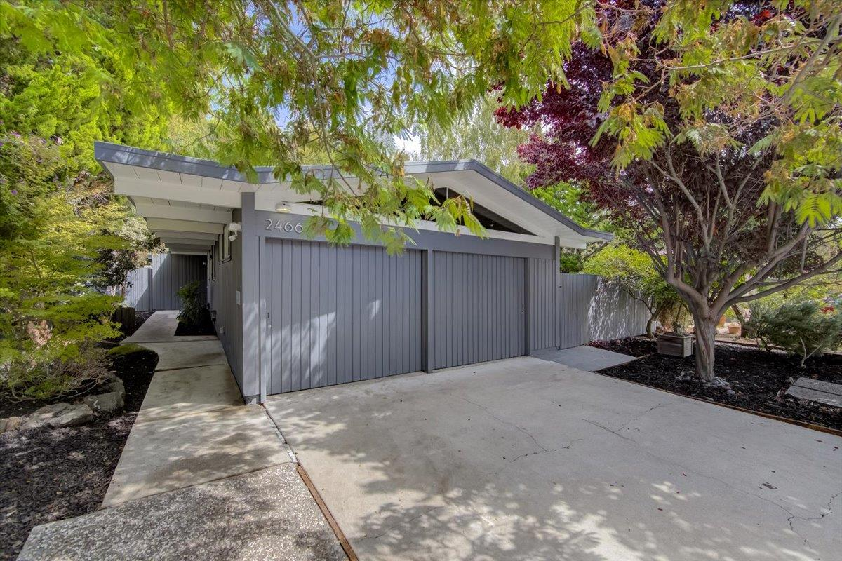 Detail Gallery Image 1 of 43 For 2466 Alvin St, Mountain View,  CA 94043 - 3 Beds   2 Baths