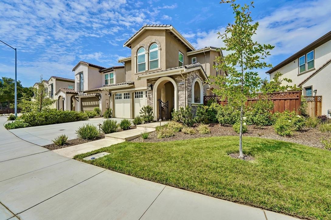 Detail Gallery Image 1 of 1 For 17765 Calle Granada, Morgan Hill,  CA 95037 - 4 Beds | 2/1 Baths