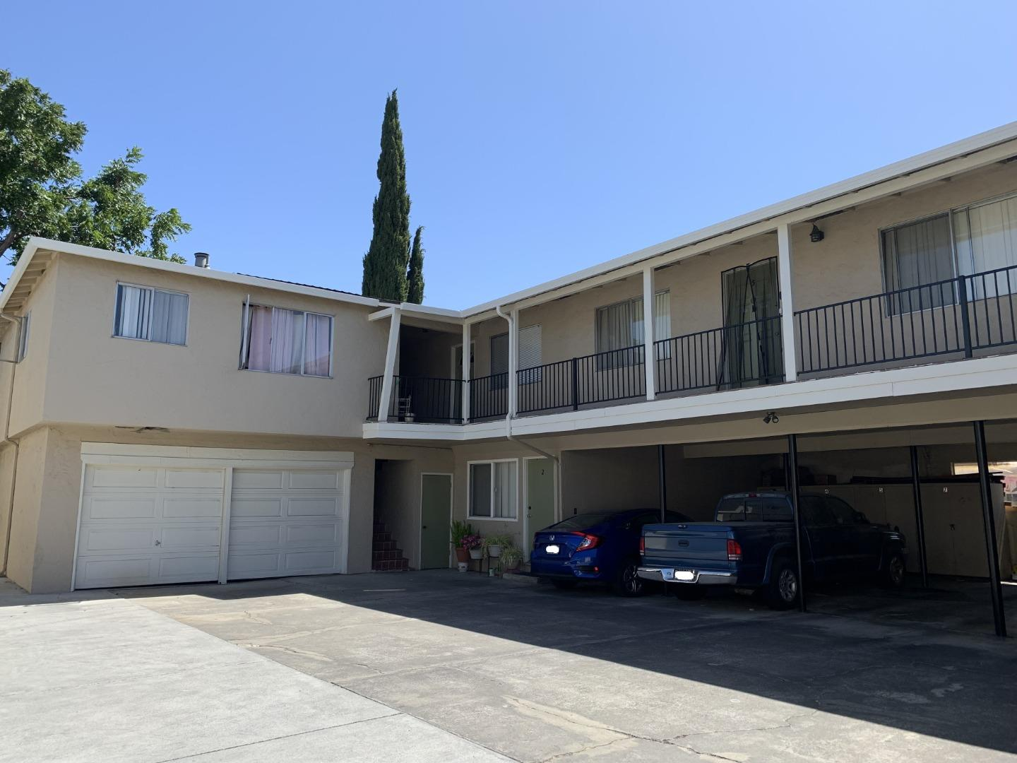 Detail Gallery Image 1 of 9 For 324 Camille Ct #2,  Mountain View,  CA 94040 - 2 Beds | 1 Baths