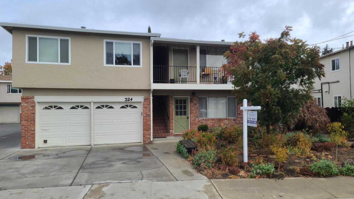 Detail Gallery Image 1 of 11 For 324 Camille Ct #1,  Mountain View,  CA 94040 - 2 Beds   1 Baths