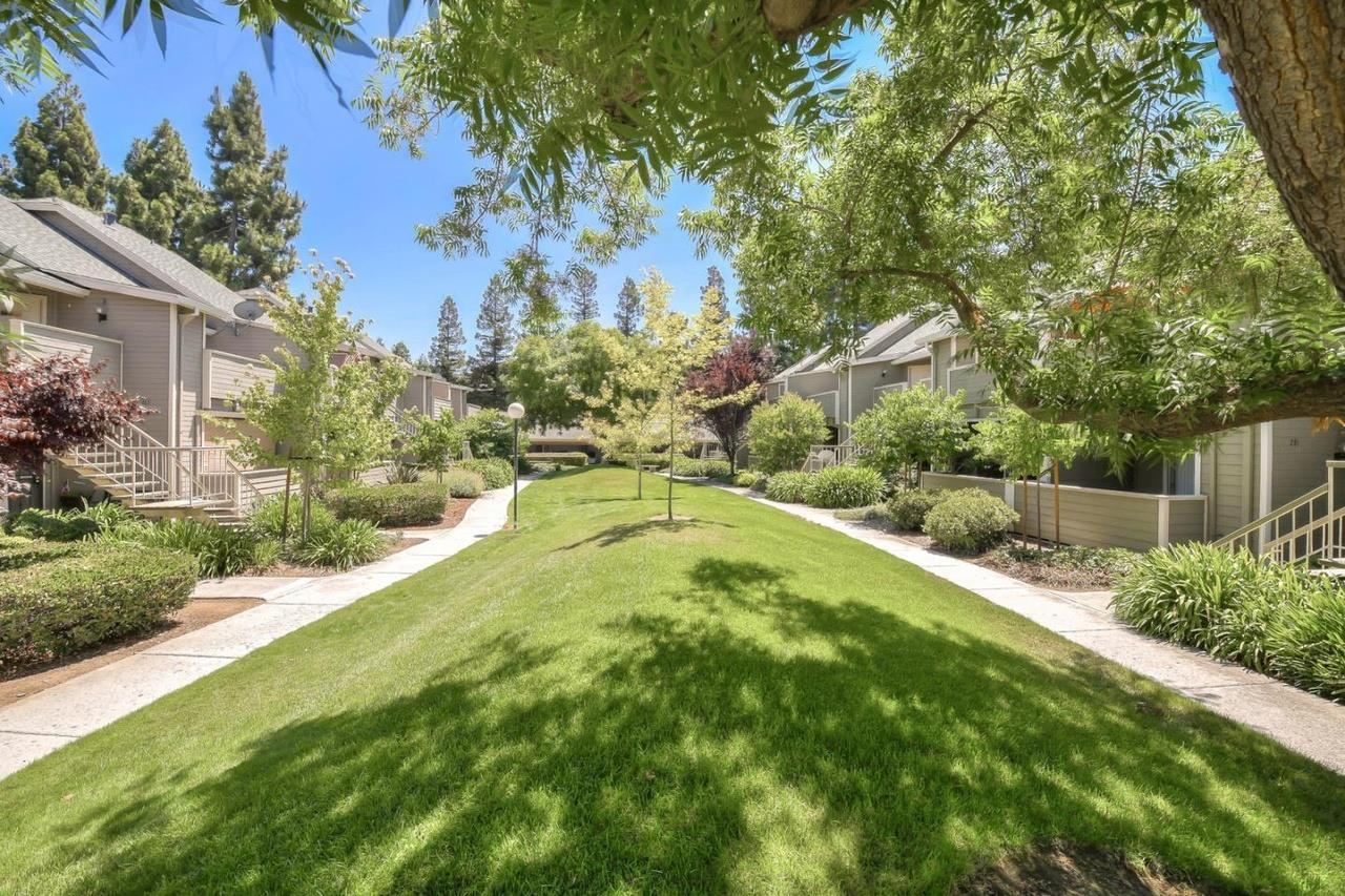 Detail Gallery Image 1 of 1 For 251 Shadow Dance Dr, San Jose,  CA 95110 - 2 Beds | 2 Baths