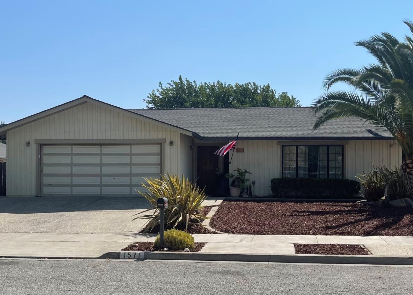 Detail Gallery Image 1 of 1 For 1571 Vallejo Dr, Hollister,  CA 95023 - 3 Beds | 2 Baths