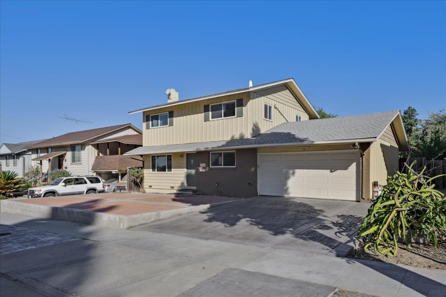 Detail Gallery Image 1 of 1 For 3285 Ruskin Dr, San Jose,  CA 95132 - 4 Beds | 1/1 Baths