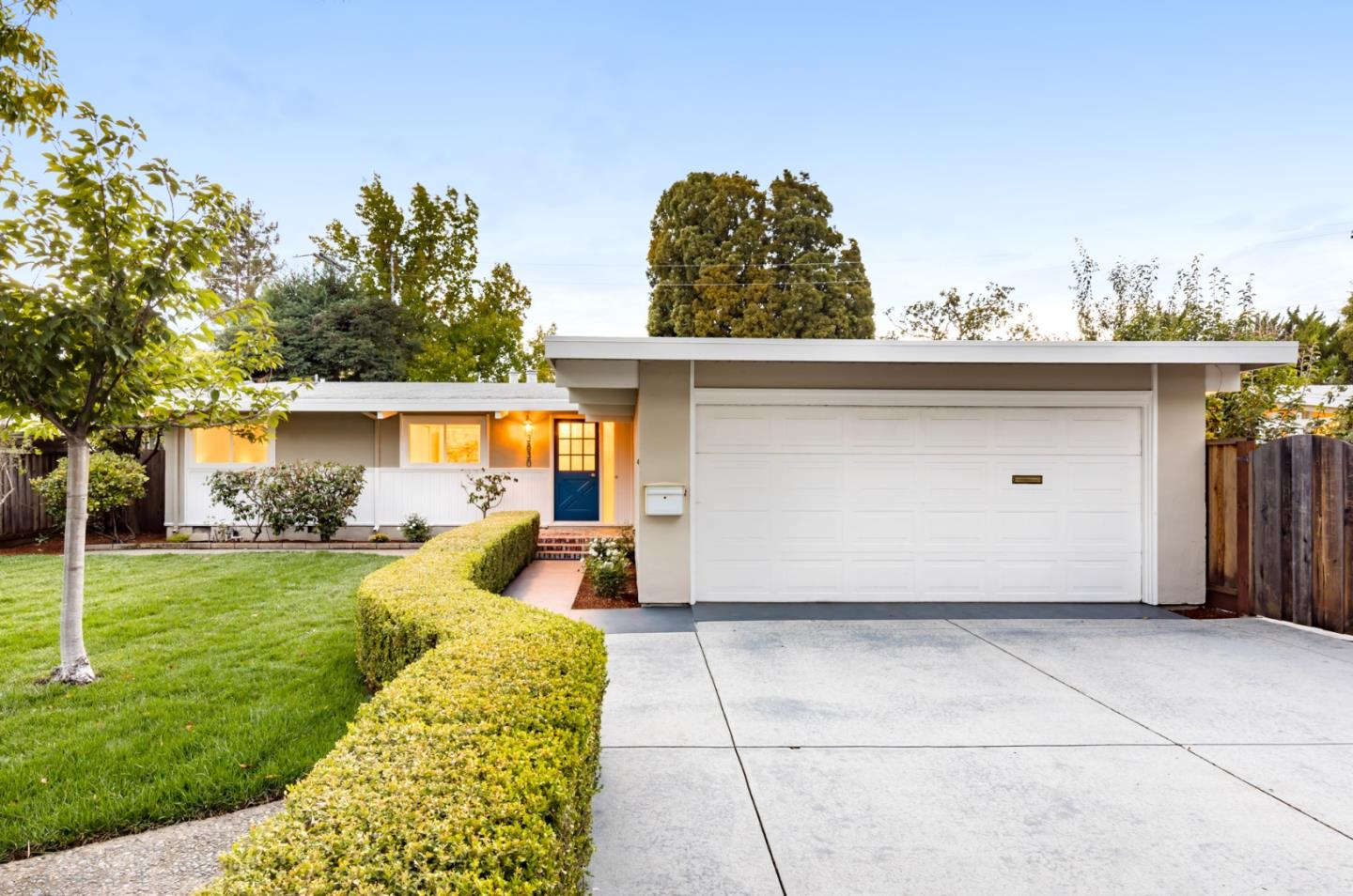 Detail Gallery Image 1 of 1 For 3830 Louis Rd, Palo Alto,  CA 94303 - 3 Beds | 2 Baths
