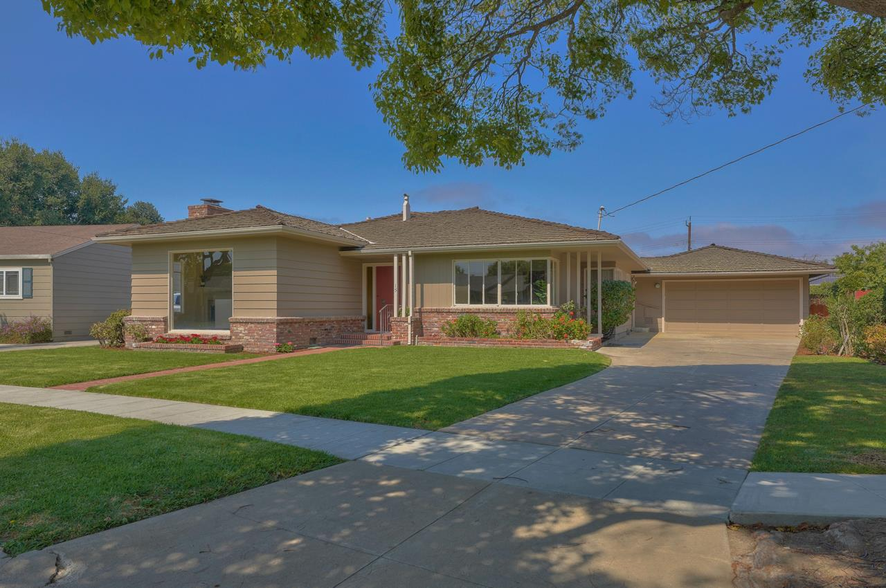 Detail Gallery Image 1 of 27 For 15 San Carlos Dr, Salinas,  CA 93901 - 3 Beds   1/1 Baths