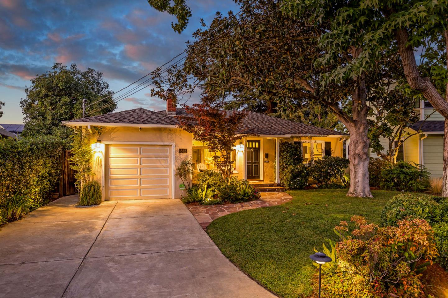 Detail Gallery Image 1 of 24 For 882 Harpster Dr, Mountain View,  CA 94040 - 3 Beds   2 Baths