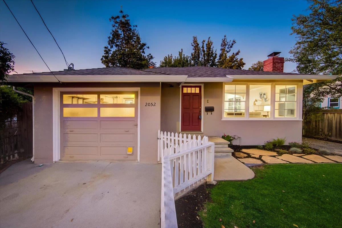 Detail Gallery Image 1 of 27 For 2052 Colony St, Mountain View,  CA 94043 - 2 Beds | 1 Baths