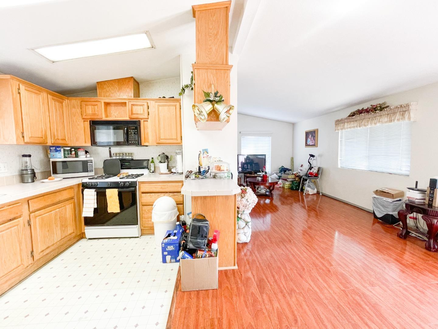 Detail Gallery Image 1 of 13 For 1350 Oakland Rd #14,  San Jose,  CA 95112 - 3 Beds   2 Baths