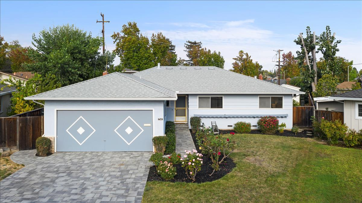 Detail Gallery Image 1 of 1 For 1541 Murre Ln, Sunnyvale,  CA 94087 - 3 Beds   2 Baths