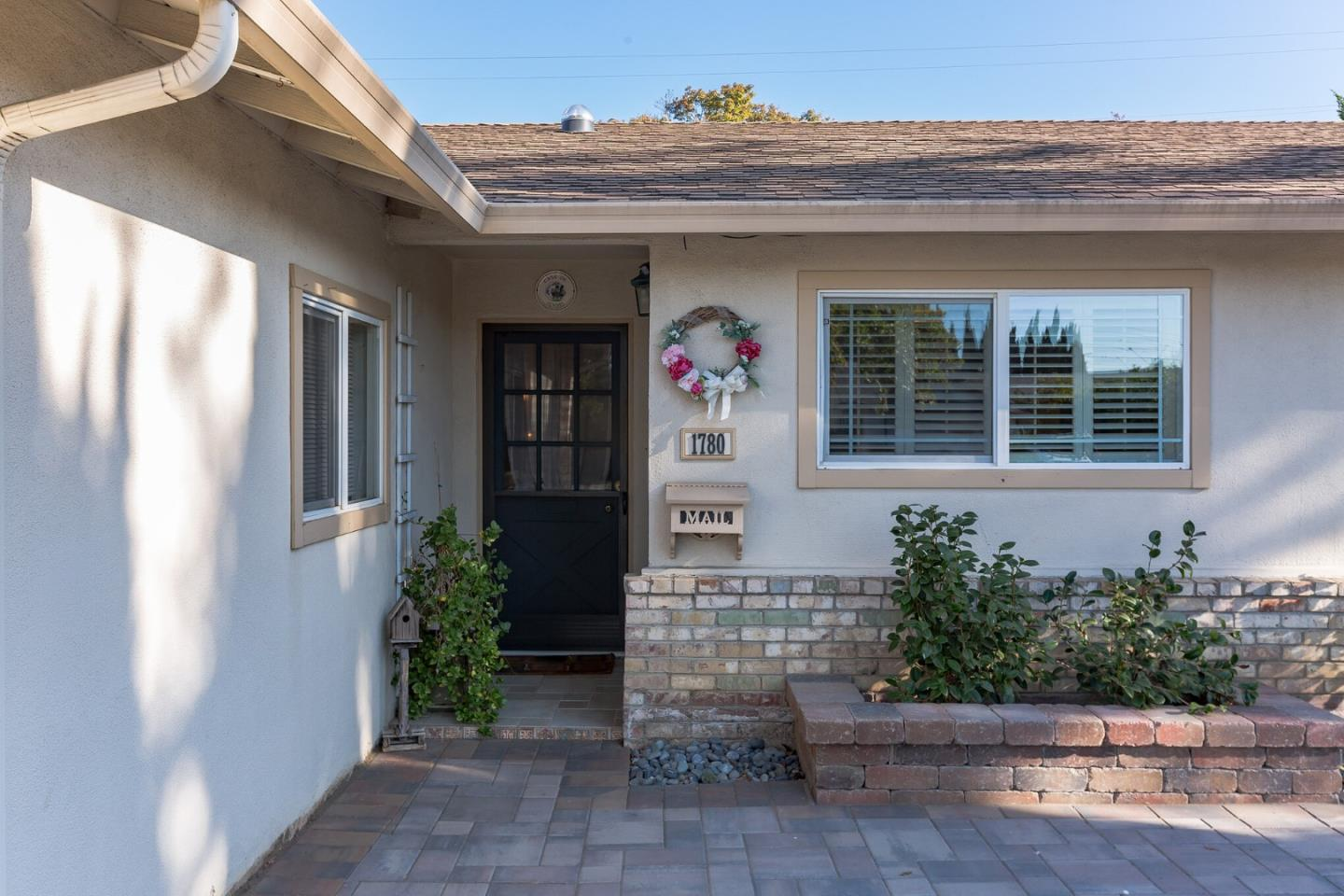 Detail Gallery Image 1 of 27 For 1780 Ledgewood Dr, San Jose,  CA 95124 - 3 Beds   2 Baths