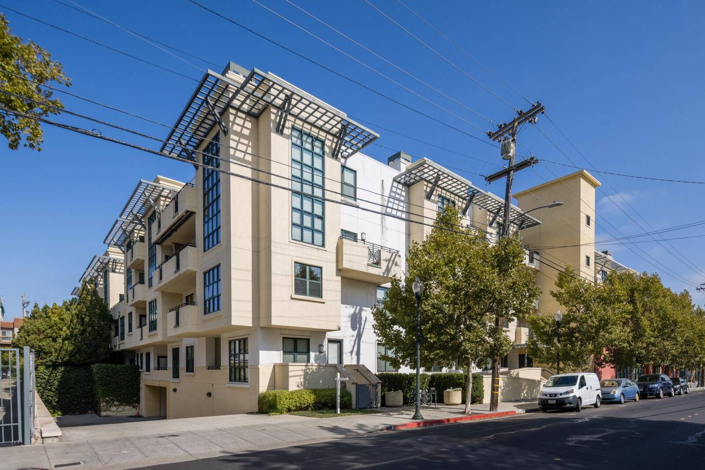 Detail Gallery Image 1 of 19 For 225 9th Ave #209,  San Mateo,  CA 94401 - 2 Beds | 2 Baths