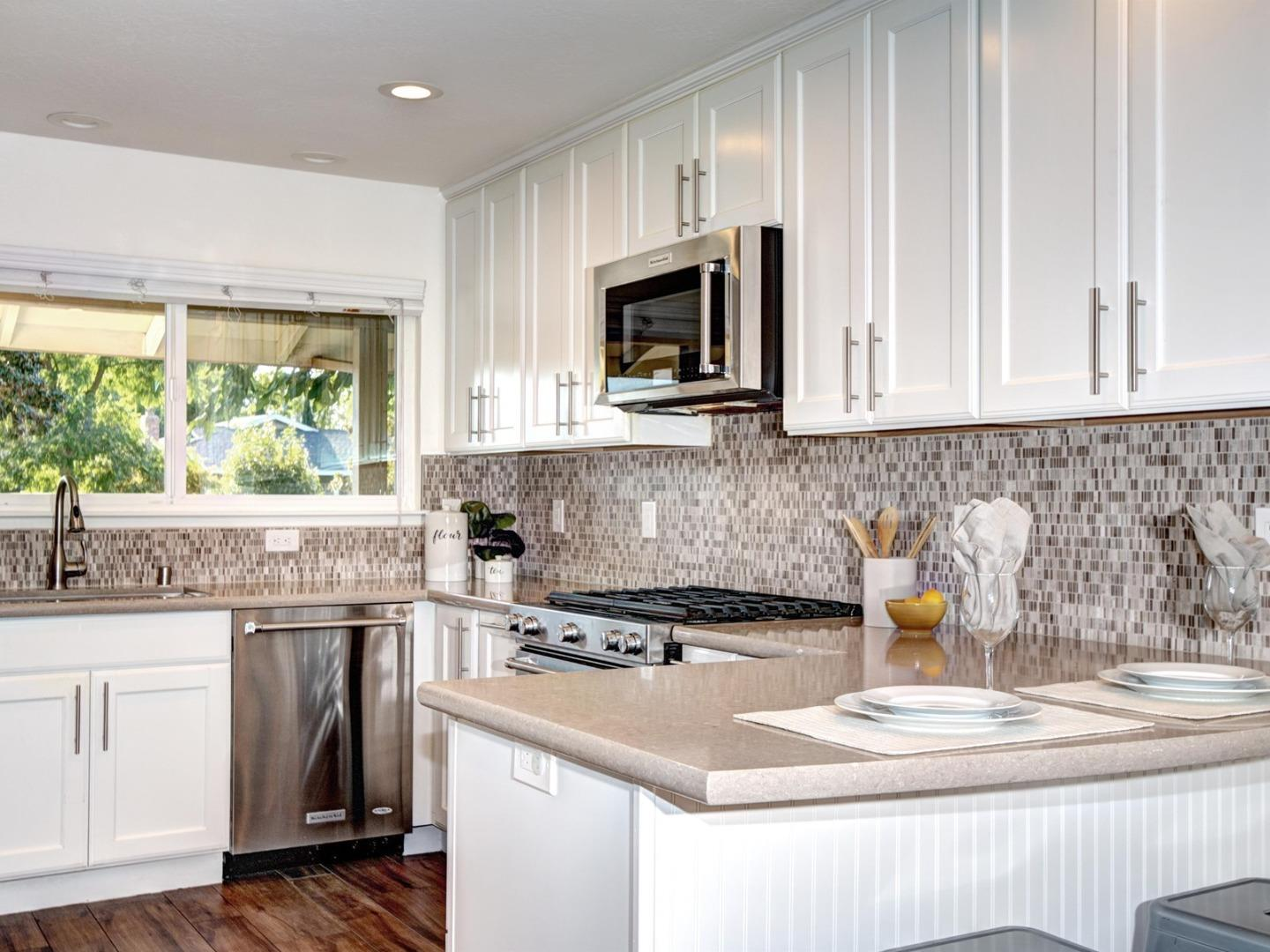 Detail Gallery Image 1 of 32 For 5052 Tifton Way, San Jose,  CA 95118 - 4 Beds   2 Baths